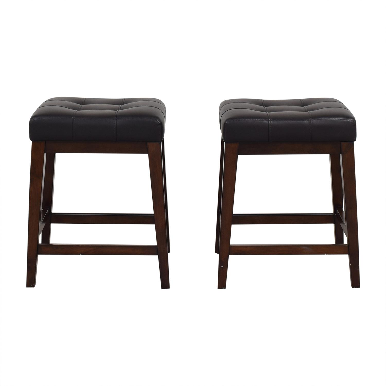 Raymour & Flanigan Raymour & Flanigan Backless Bar Stools Chairs