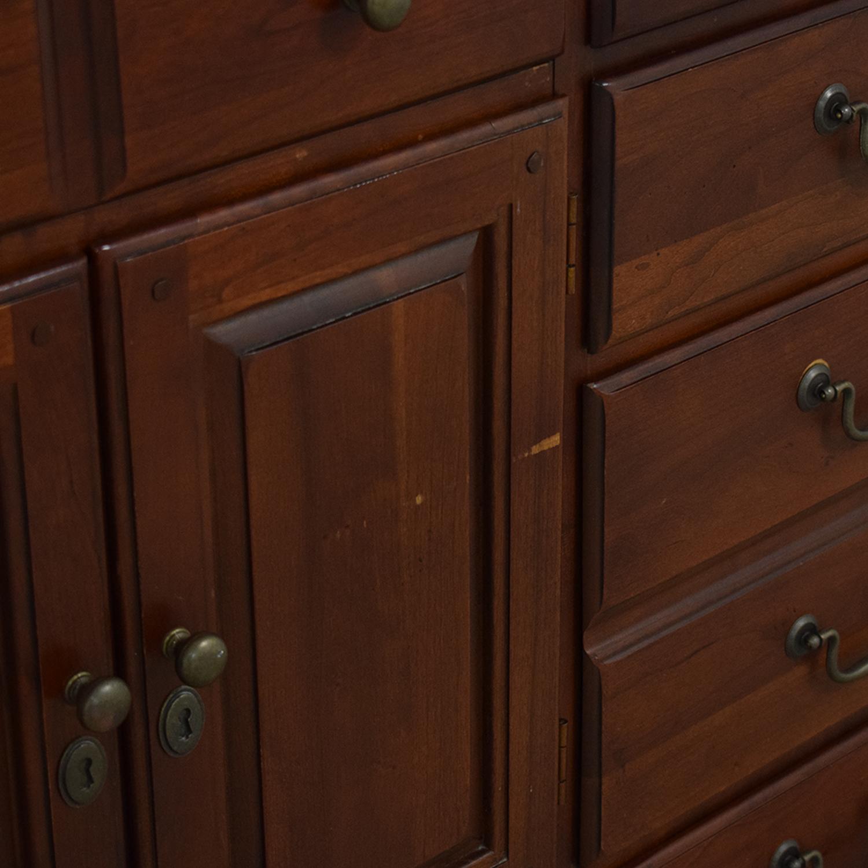 Hooker Furniture Hooker Furniture Dresser with Mirror brown