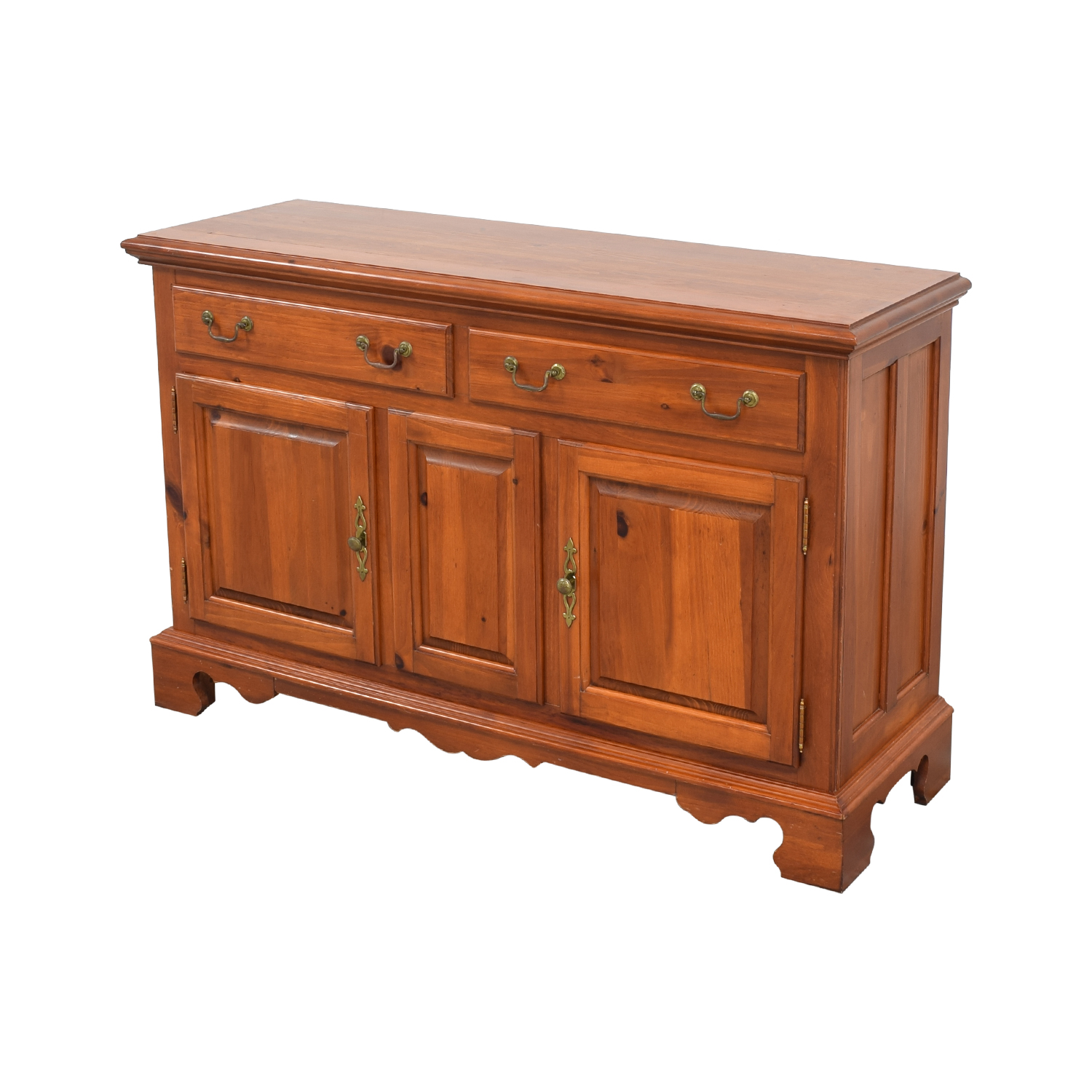 shop Broyhill Serving Sideboard Broyhill Furniture