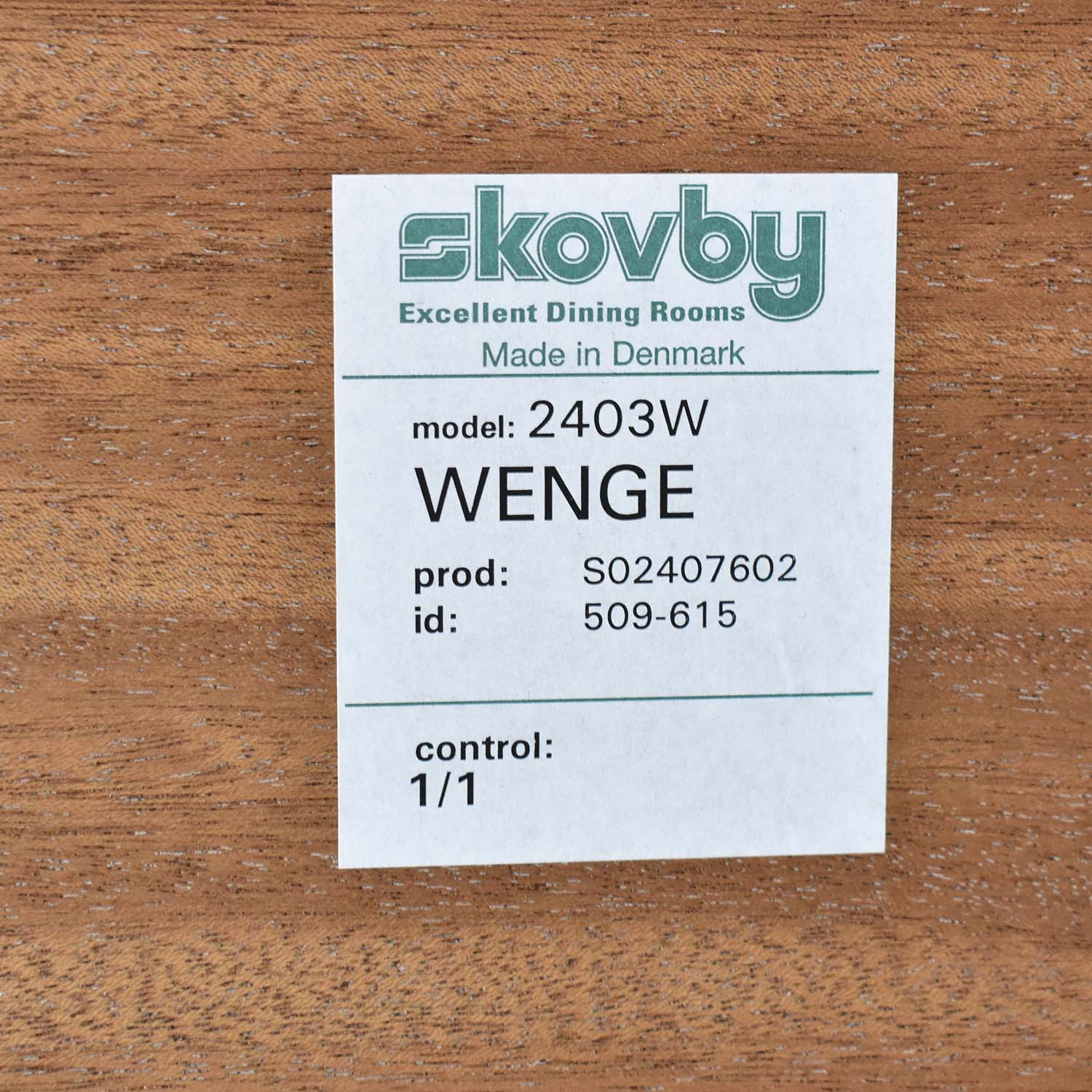 Skovby #24 Expandable Dining Table / Dinner Tables