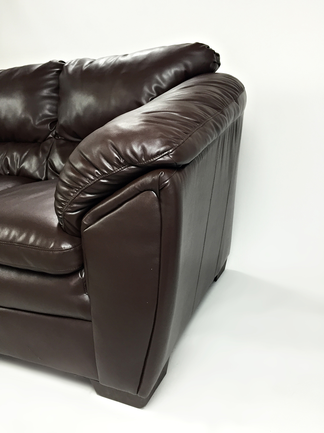 Surprising 81 Off Bobs Discount Furniture Brown Faux Leather Love Seat Sofas Caraccident5 Cool Chair Designs And Ideas Caraccident5Info