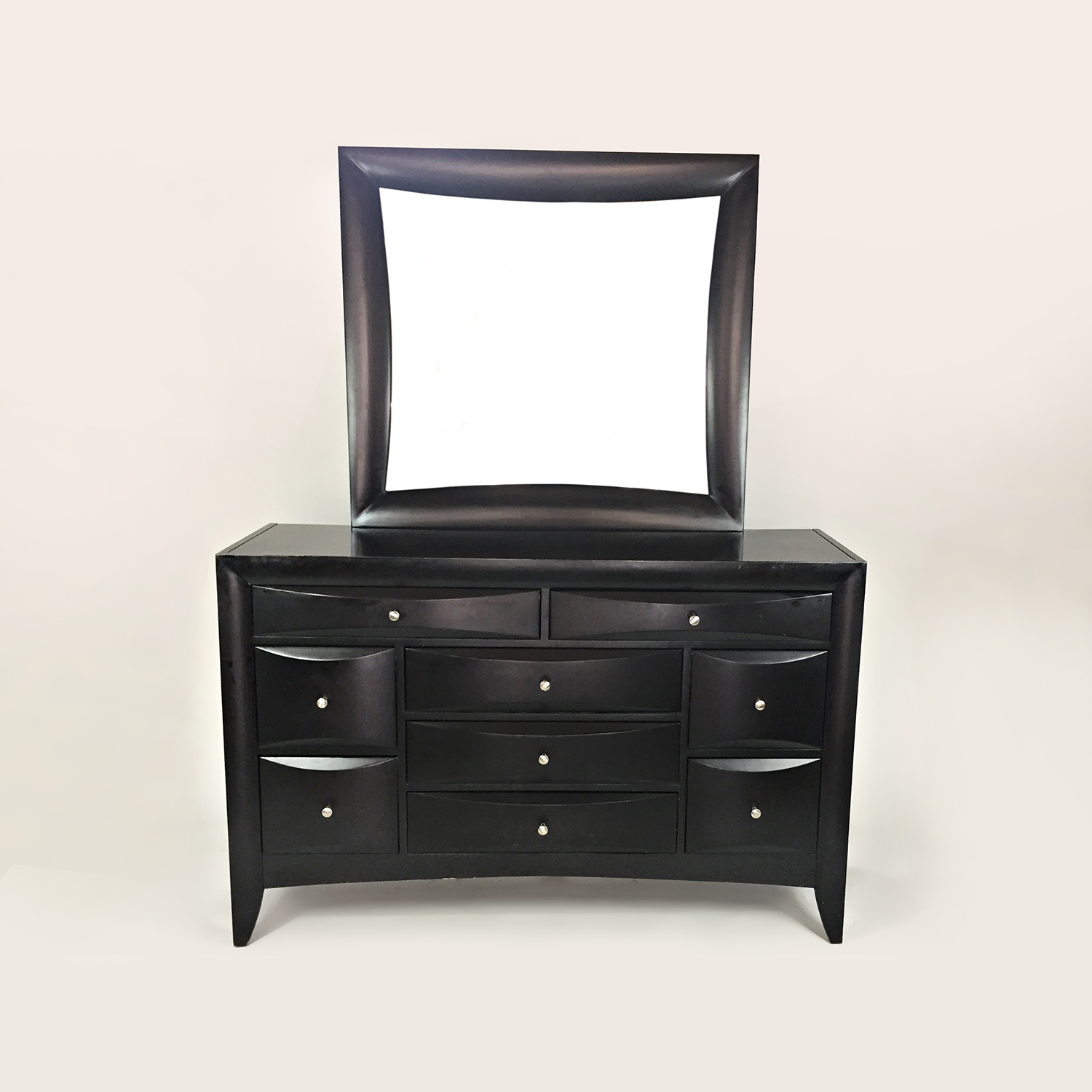 Rooms To Go Valencia Dresser with Mirror on sale