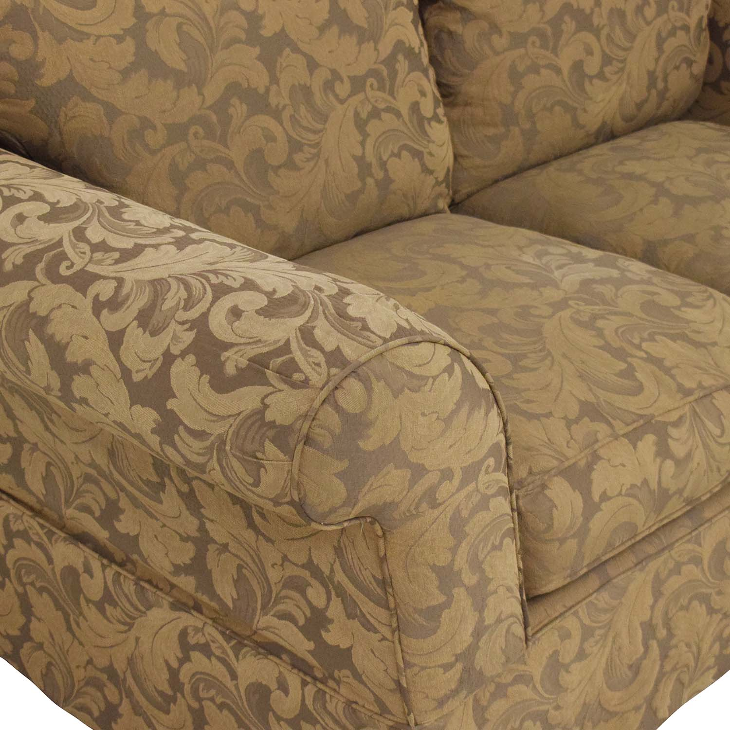 Hickory Hill Hickory Hill Loveseat dark brown