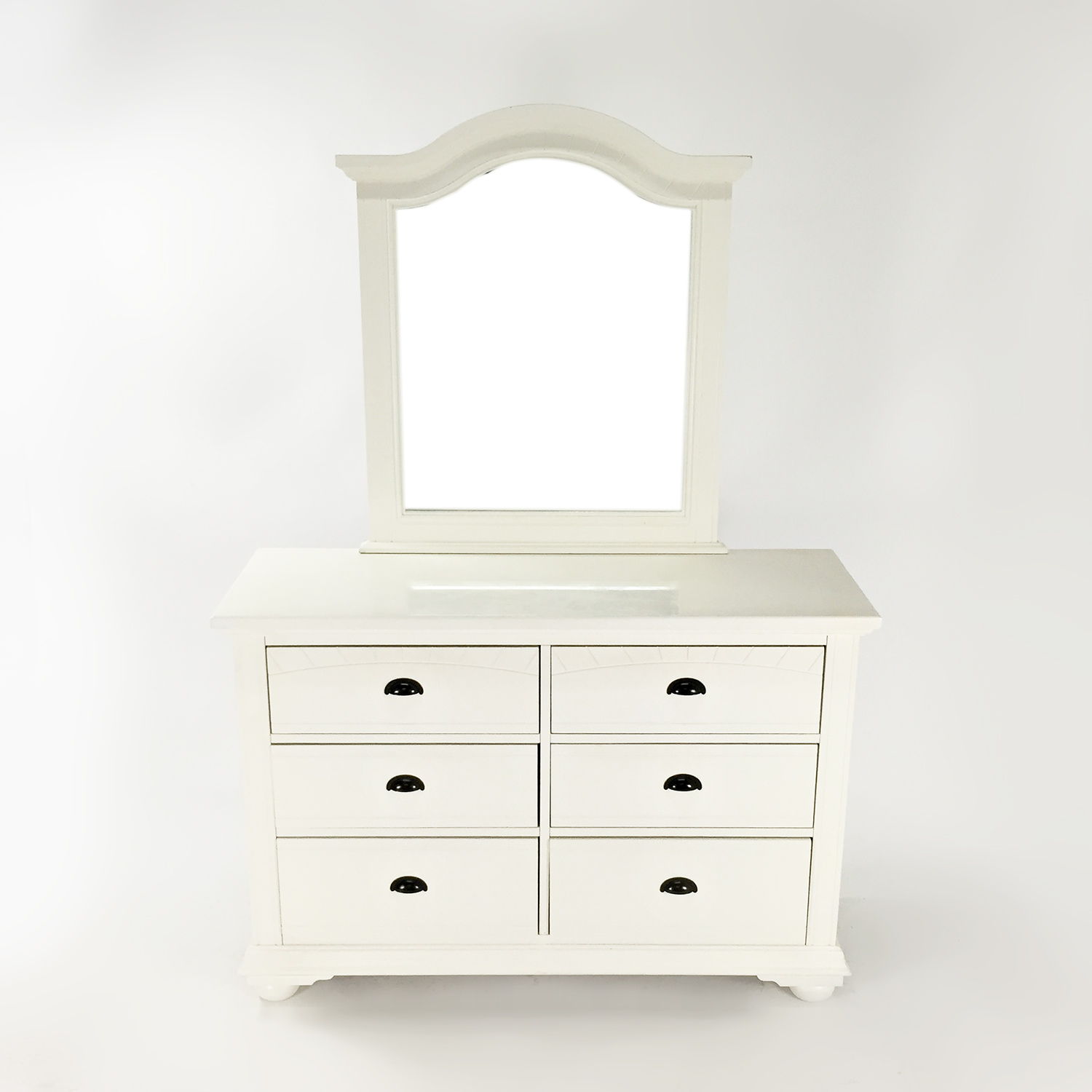bob 39 s furniture white dresser with mirror used
