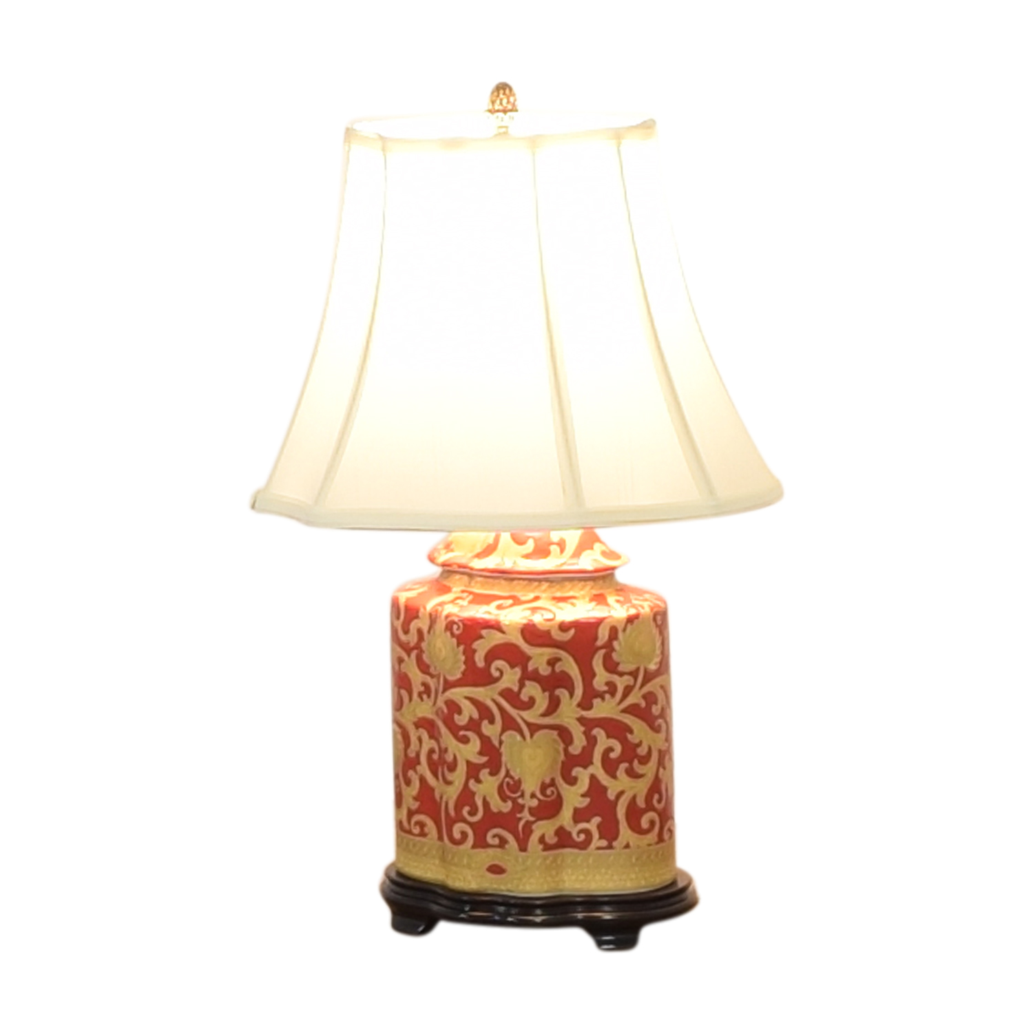 Porcelain Hand Painted Scalloped Lamp nyc