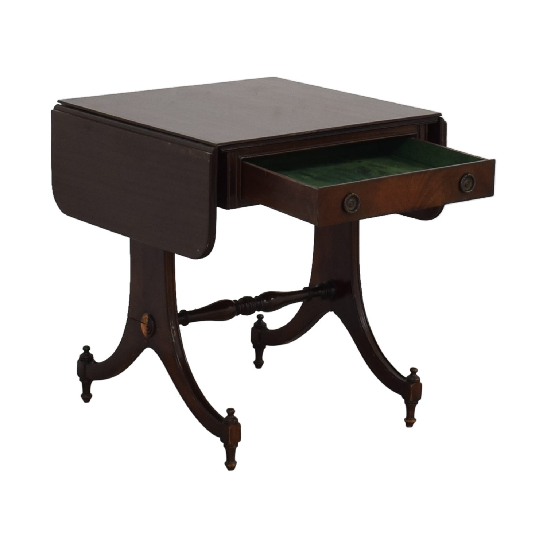 Vintage Drop Leaf Accent Table / Tables