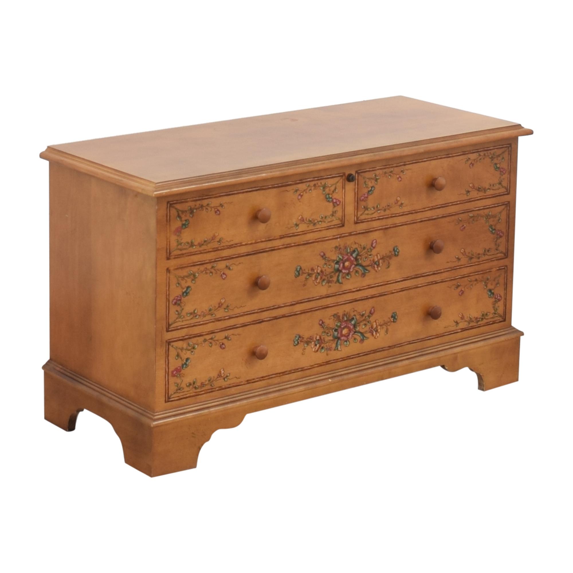 Lane Furniture Cedar Chest / Storage