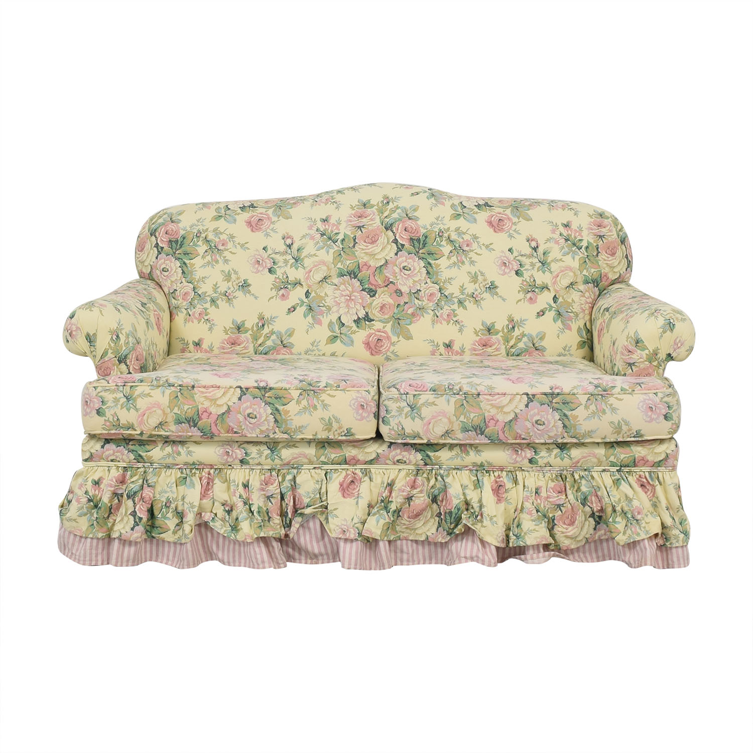 Clayton House Floral Skirted Loveseat / Sofas