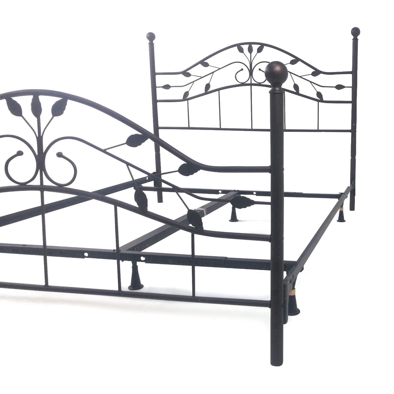 89 Off Queen Metal Bed Frame Beds