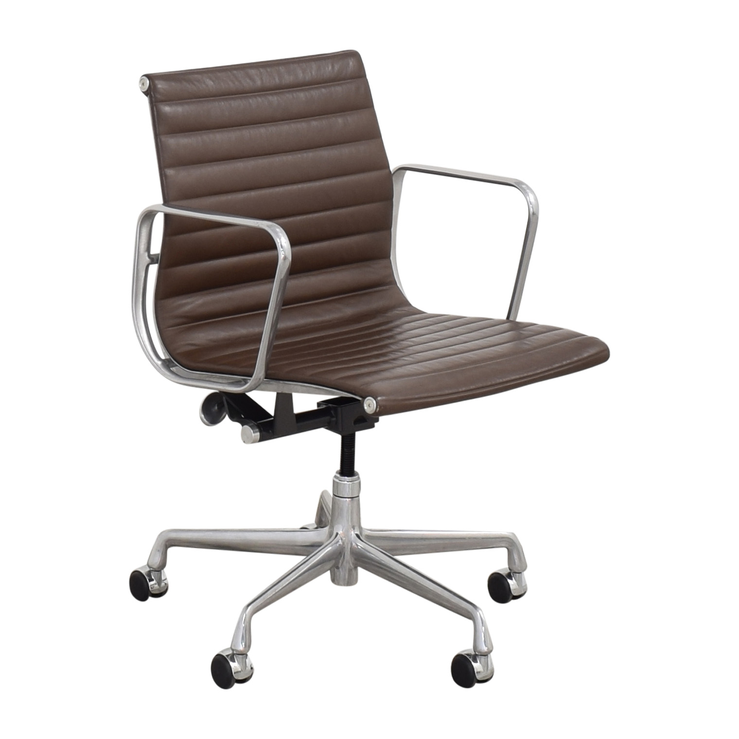 79 Off Herman Miller Herman Miller Eames Aluminum Group Management Chair Chairs