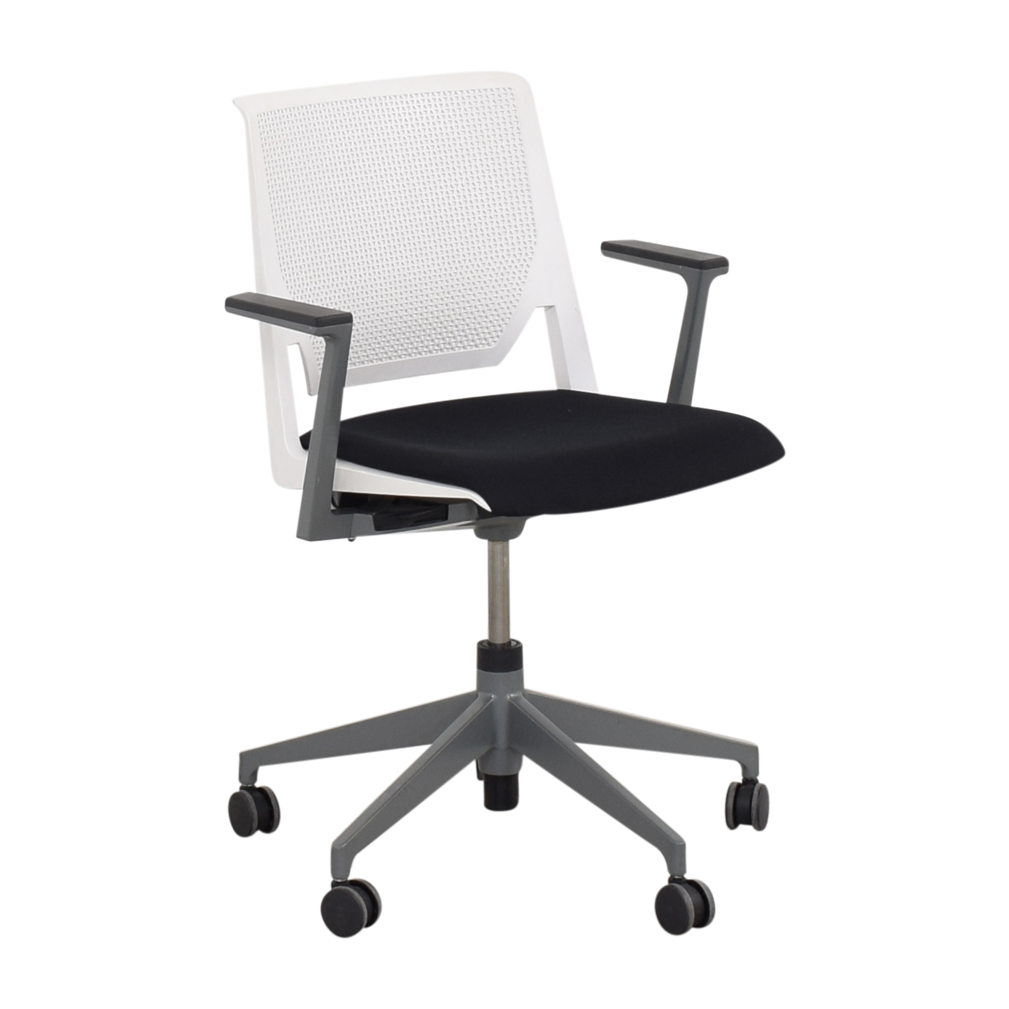 Haworth Haworth Very Conference Chair with Arms Chairs