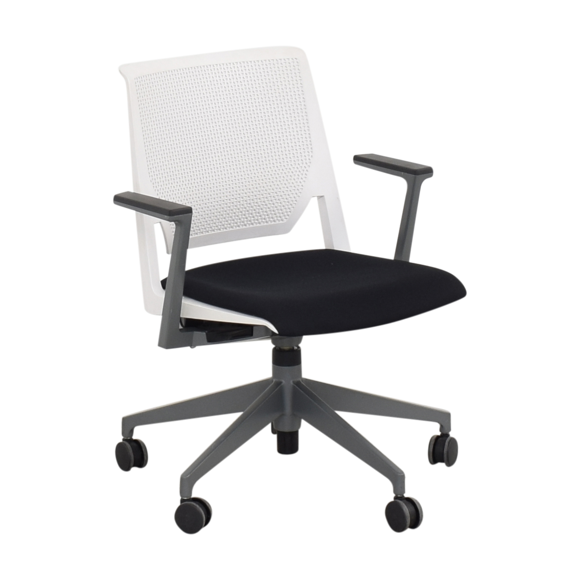 Haworth Haworth Very Conference Chair with Arms white and black