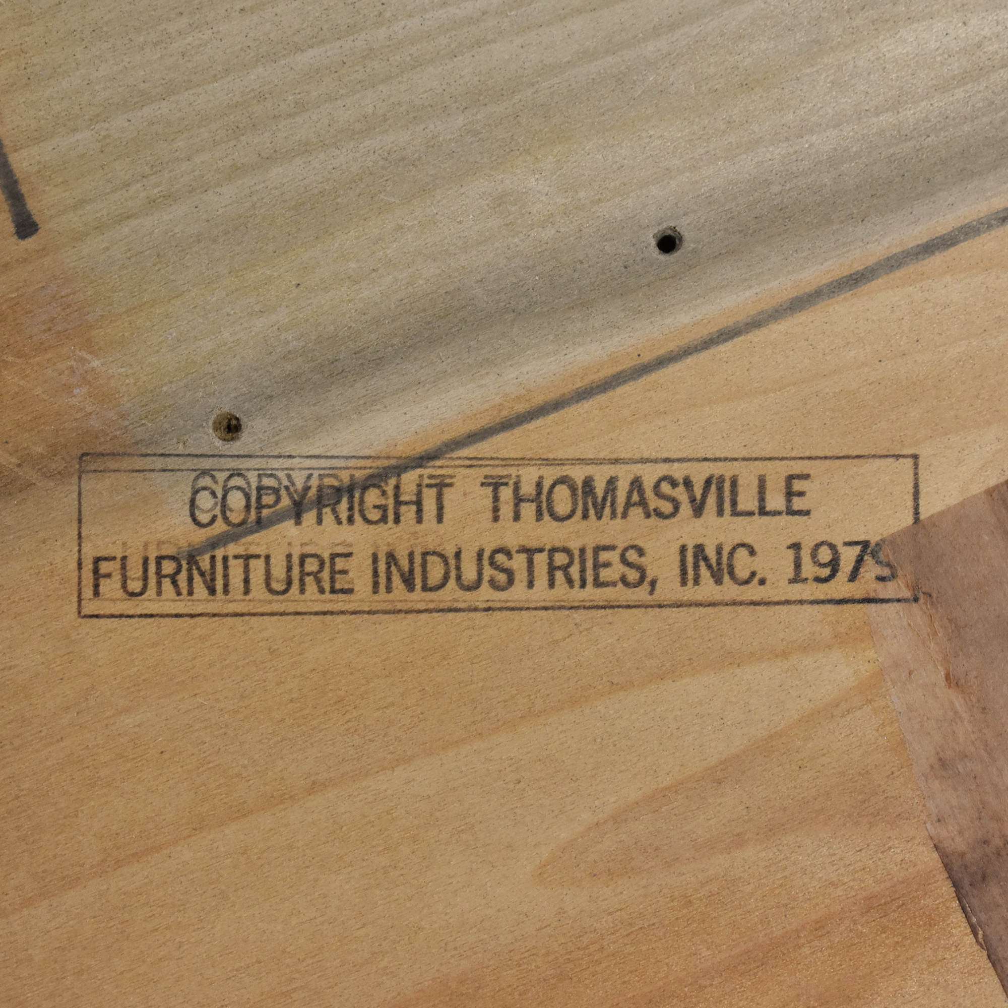 Thomasville Thomasville Extension Dining Table dimensions