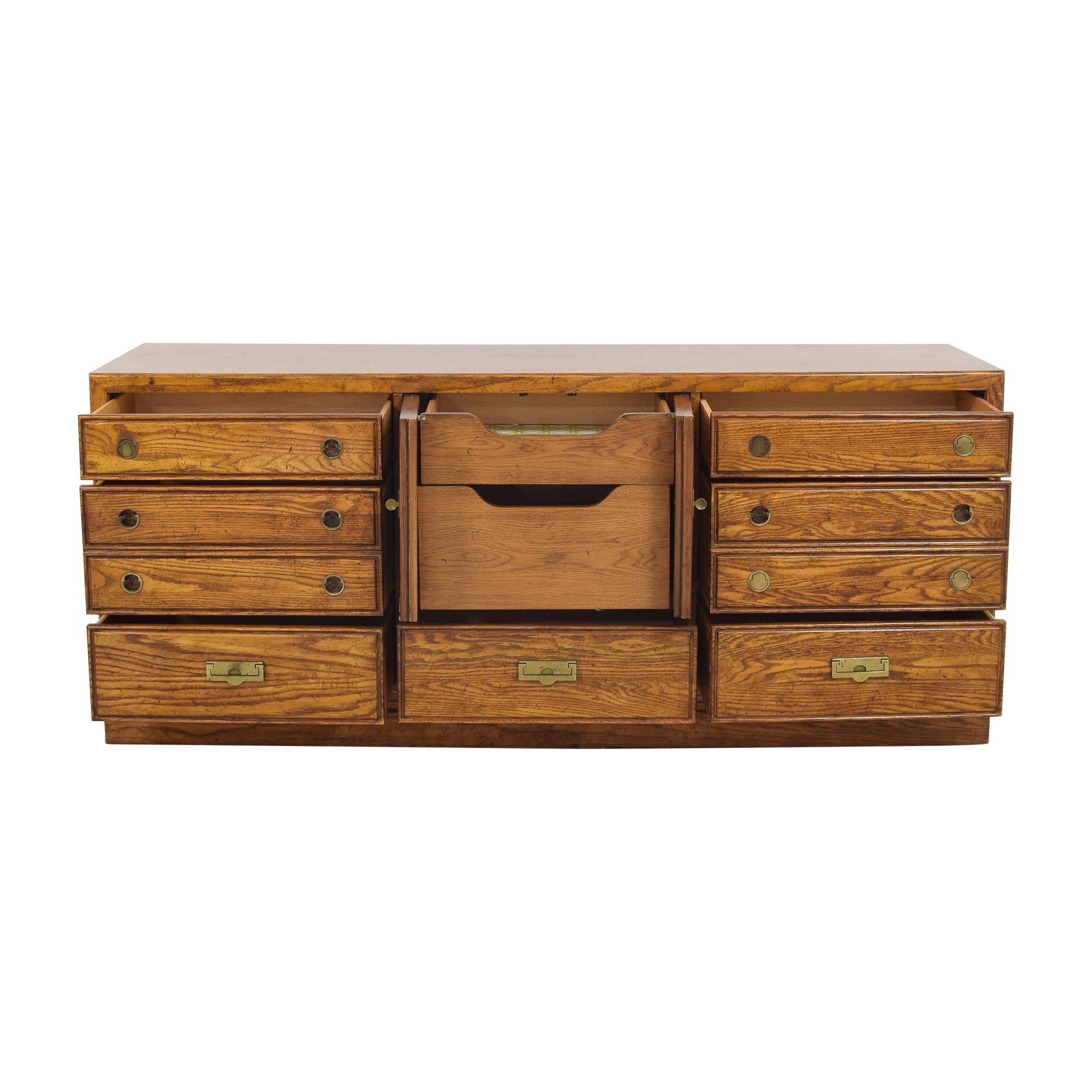 Thomasville Thomasville Vintage Dresser pa