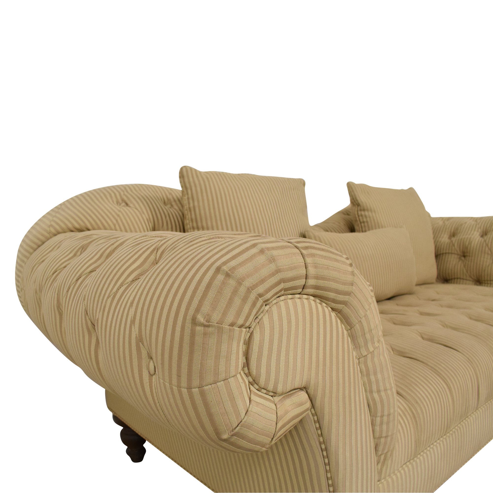 Rooms To Go Rooms To Go Tufted Roll Arm Chesterfield Sofa on sale