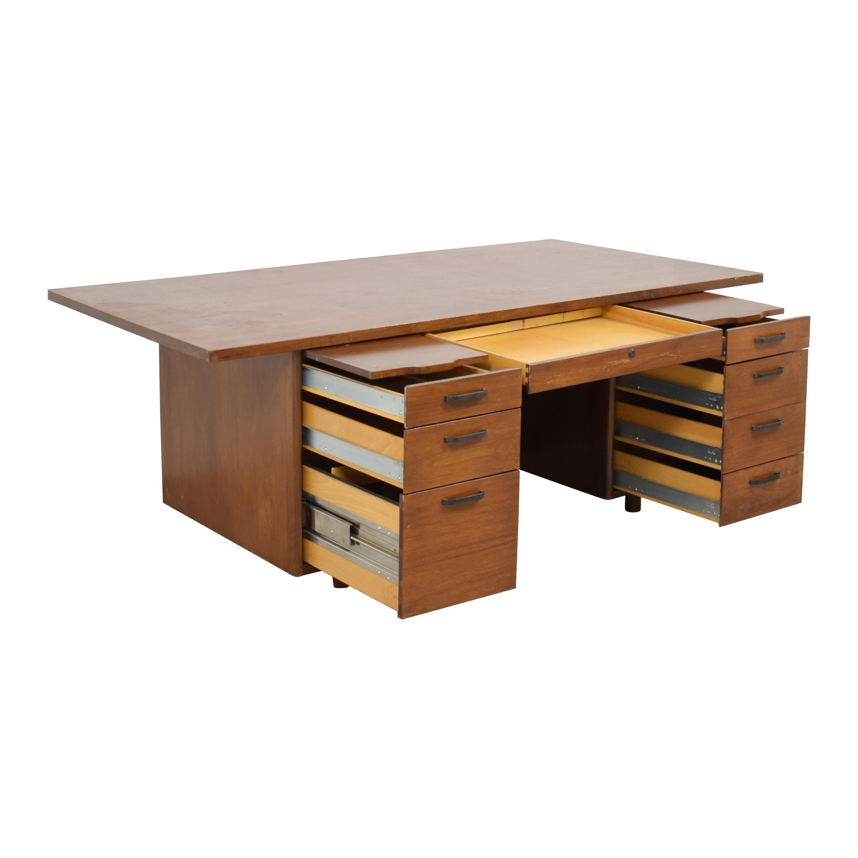 Standard Furniture Standard Furniture Executive Style Desk used