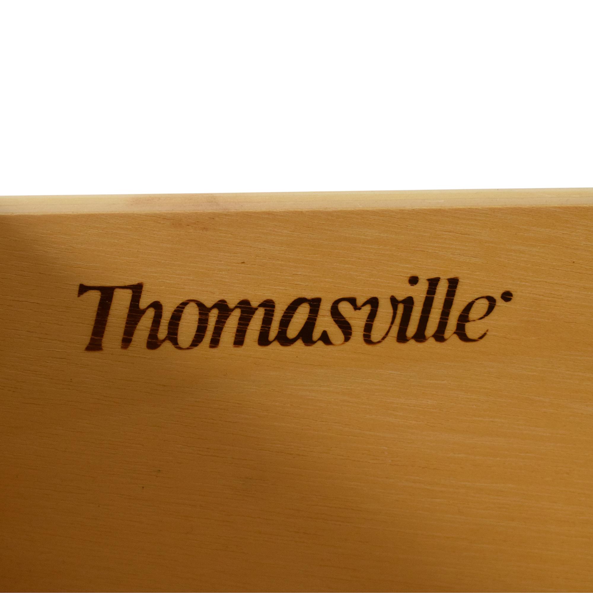 Thomasville Thomasville Eight Drawer Dresser with Mirror ma