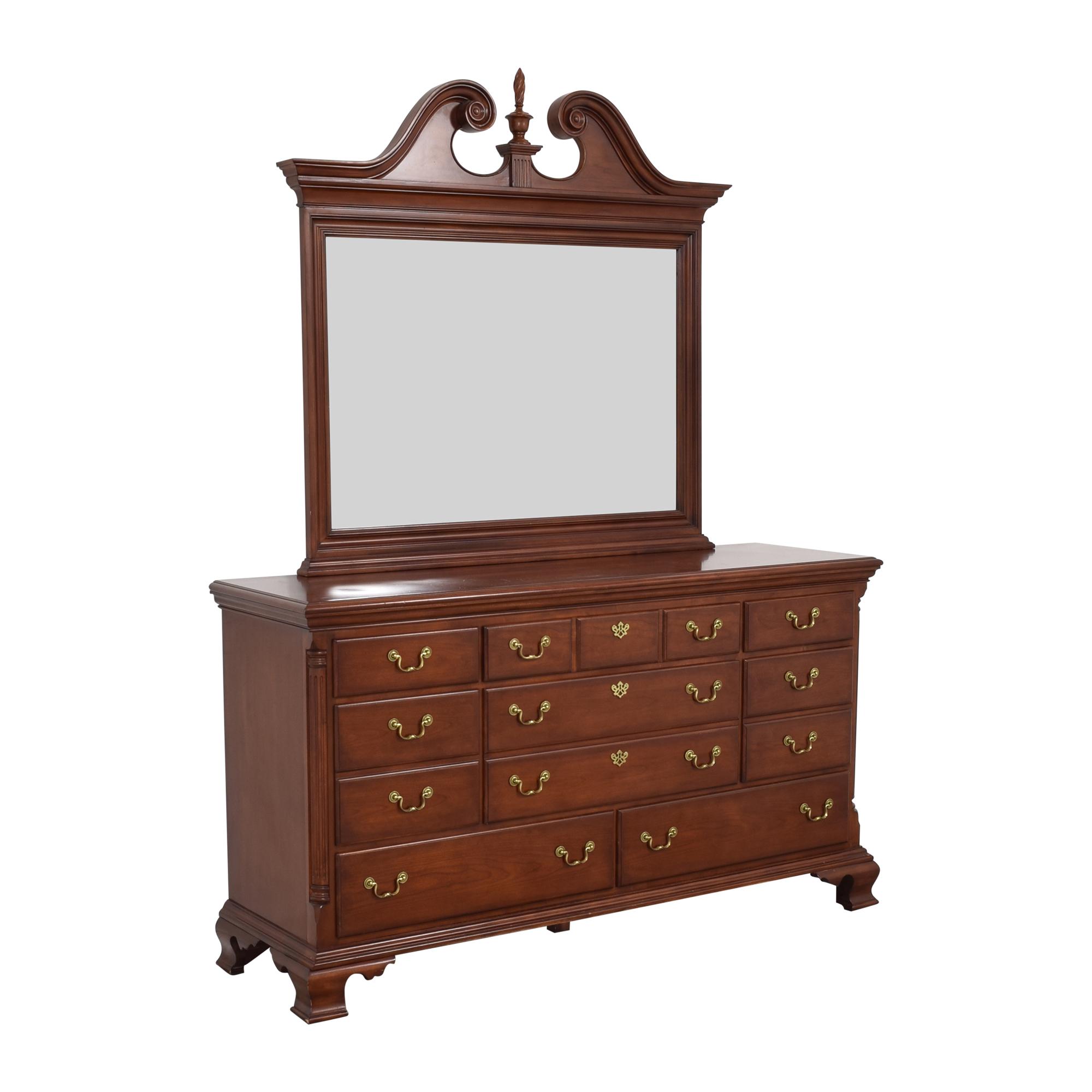 Thomasville Thomasville Eight Drawer Dresser with Mirror Dressers