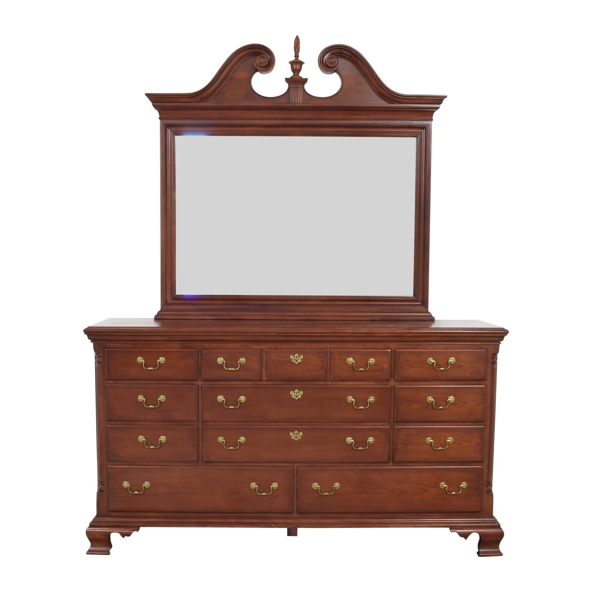 Thomasville Thomasville Eight Drawer Dresser with Mirror second hand