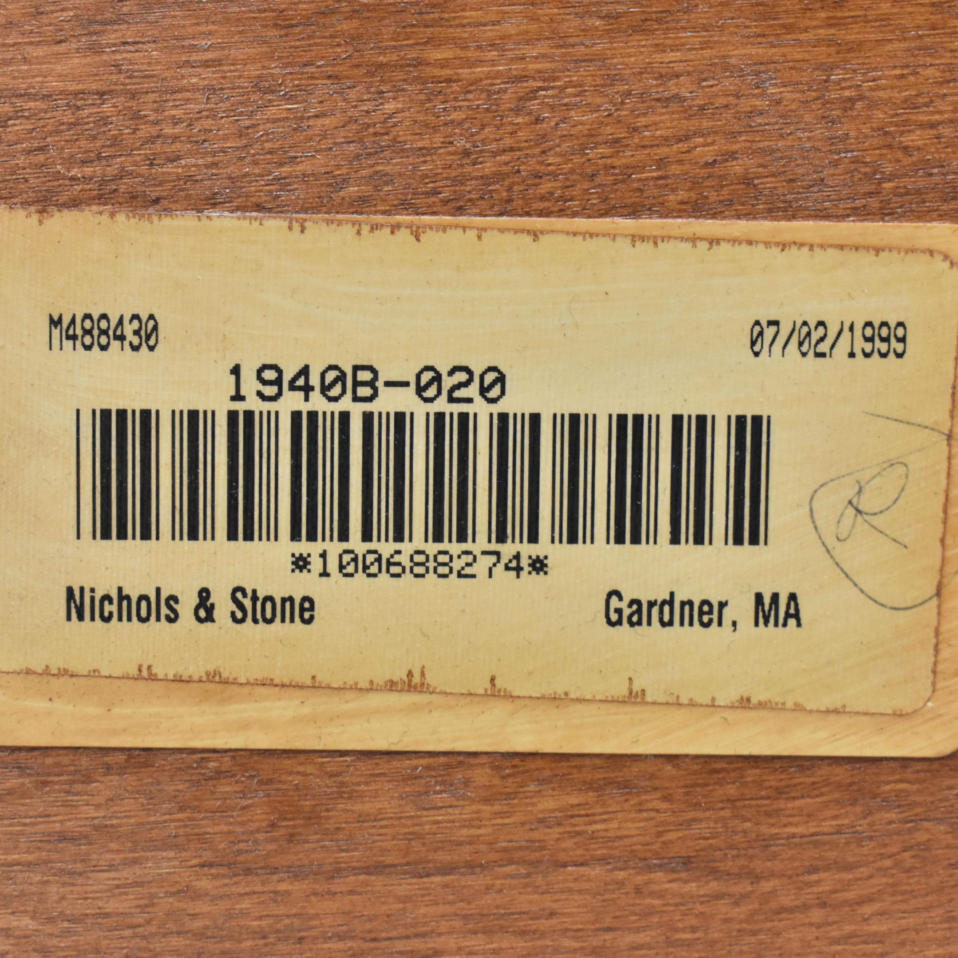 Nichols & Stone Nichols & Stone Extendable Dining Table ma
