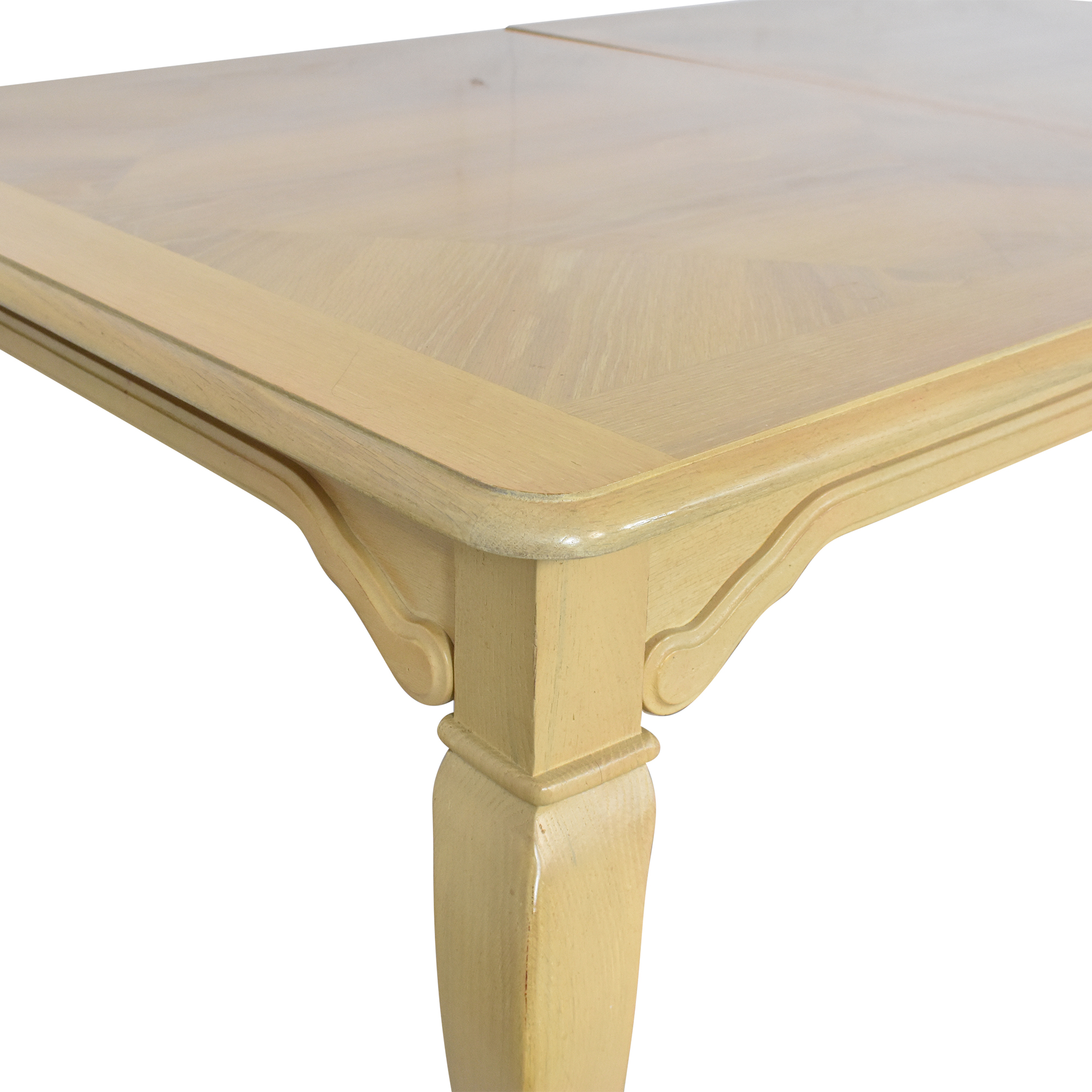 Thomasville Thomasville Extending Cabriole Dining Table dimensions