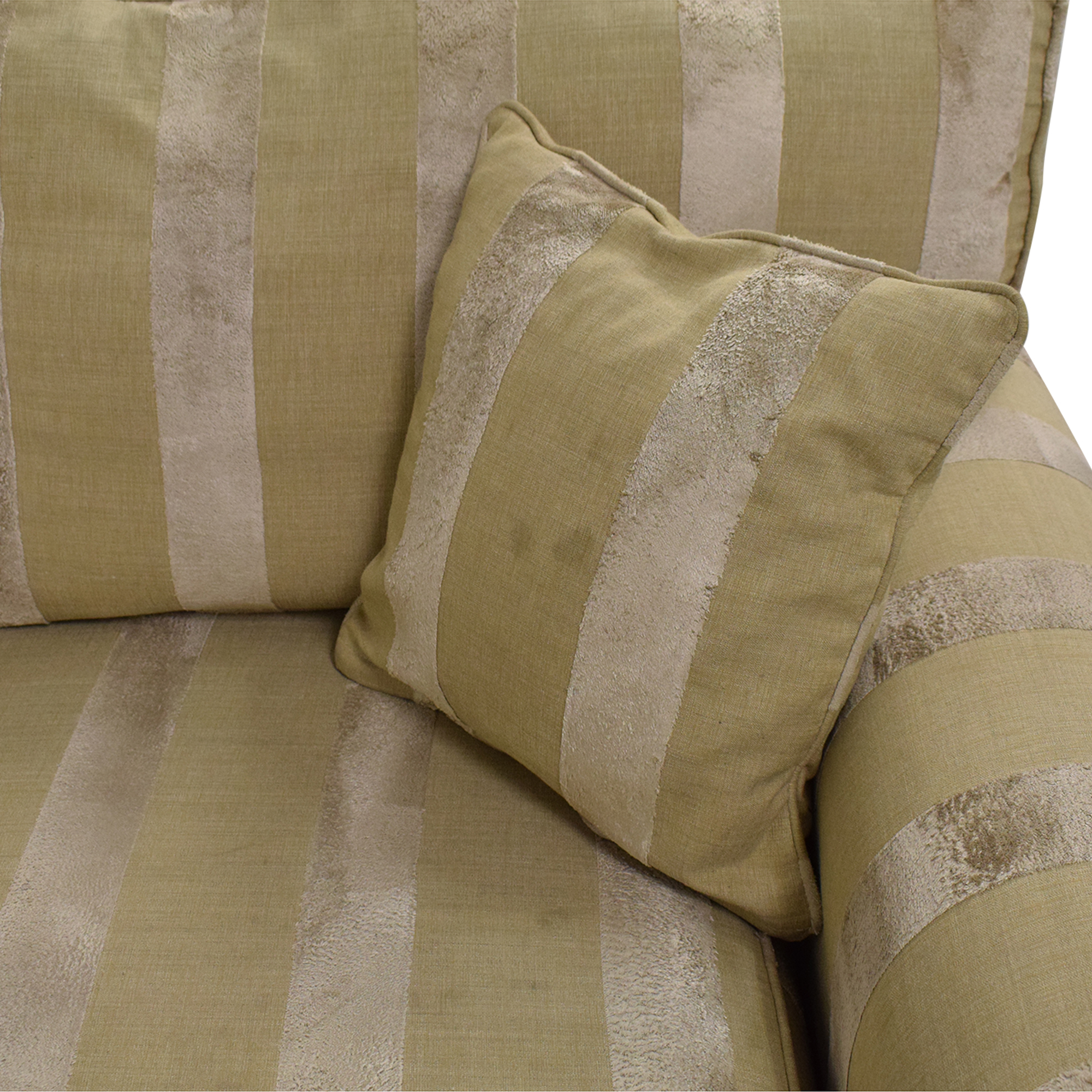Ethan Allen Bennet Sectional Sofa / Sofas