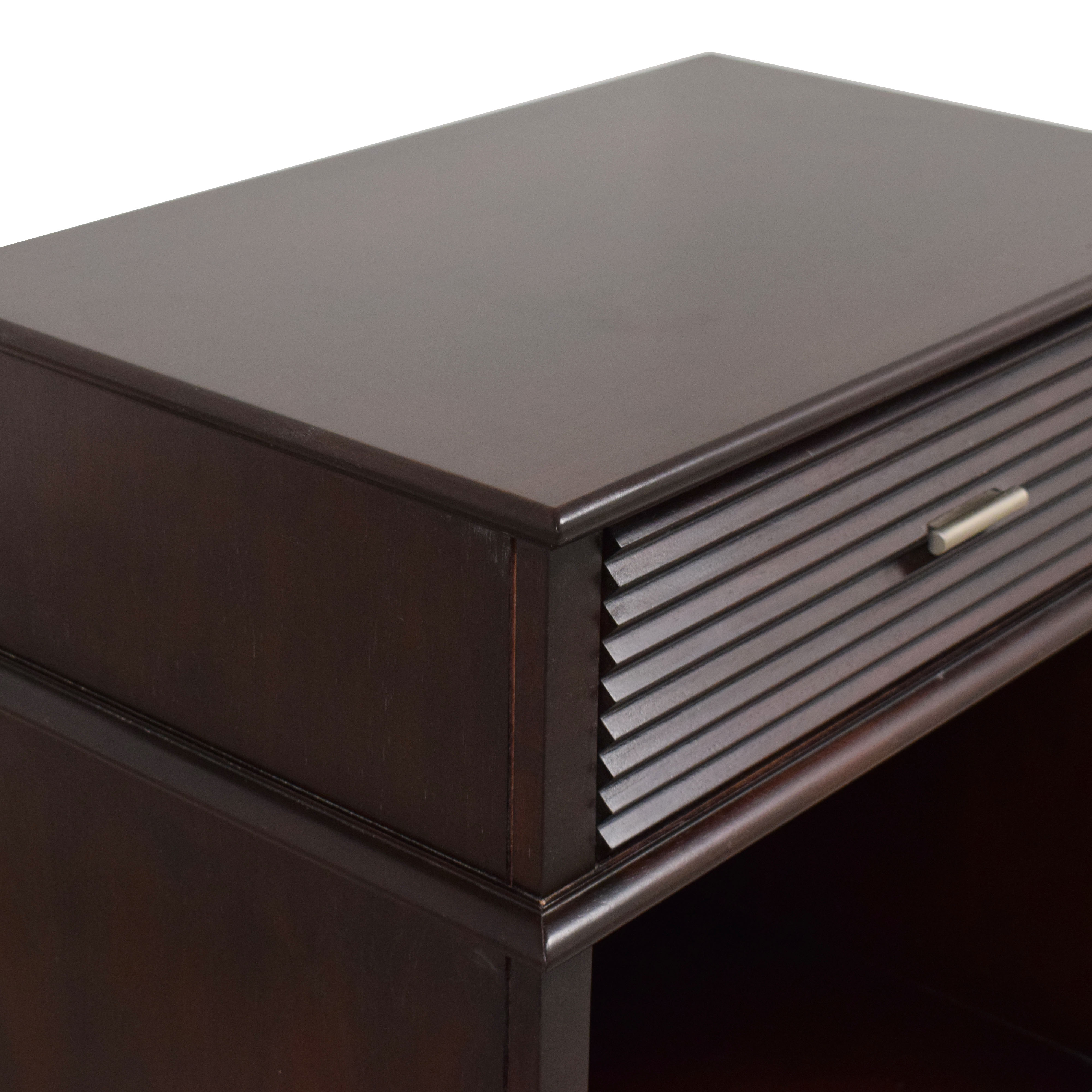 Lane Furniture Ribbed Drawer Nightstand / End Tables