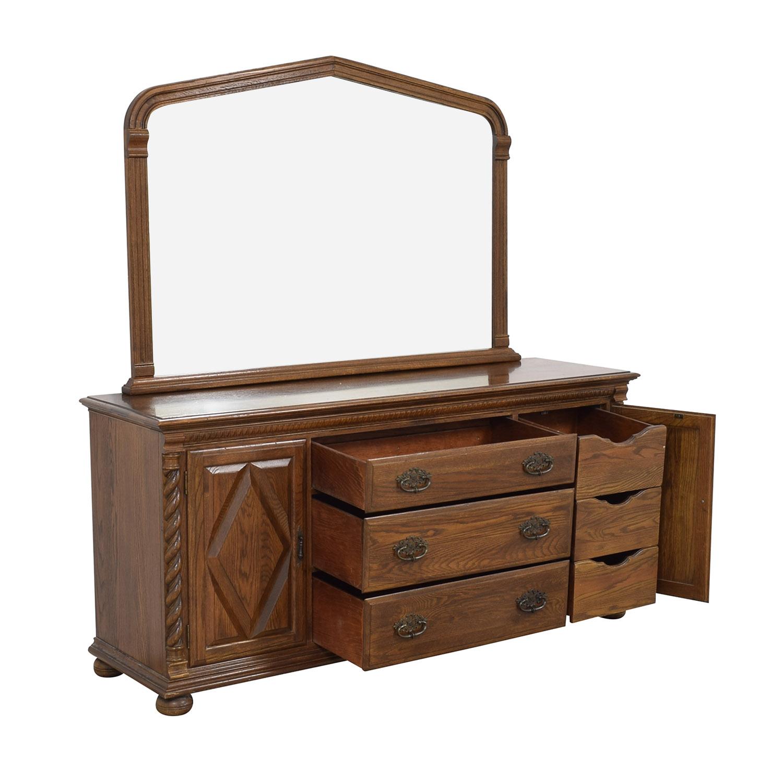 Ethan Allen Dresser with Mirror / Dressers