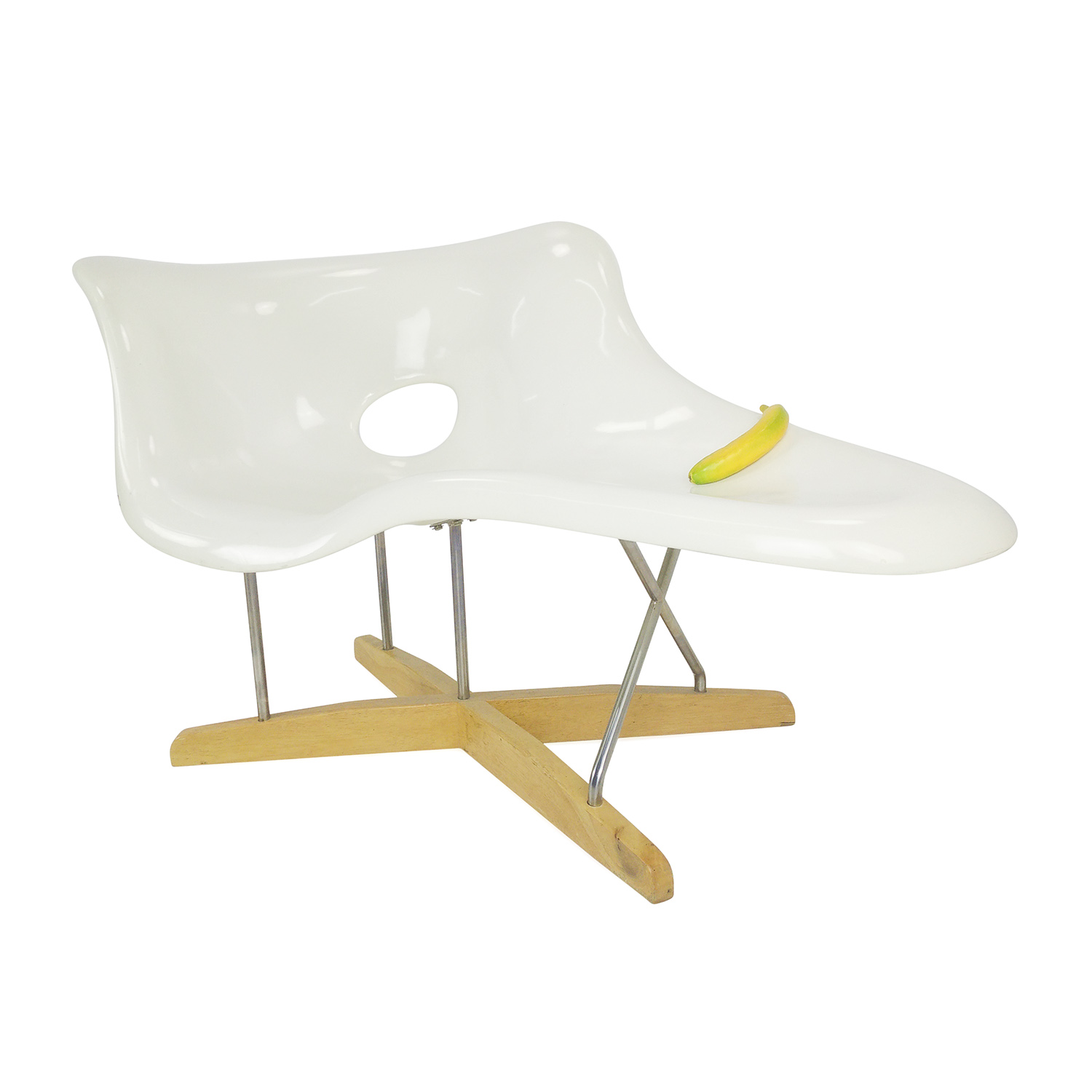 63 off eames replica of la chaise la chaise replica for Reproduction chaise eames