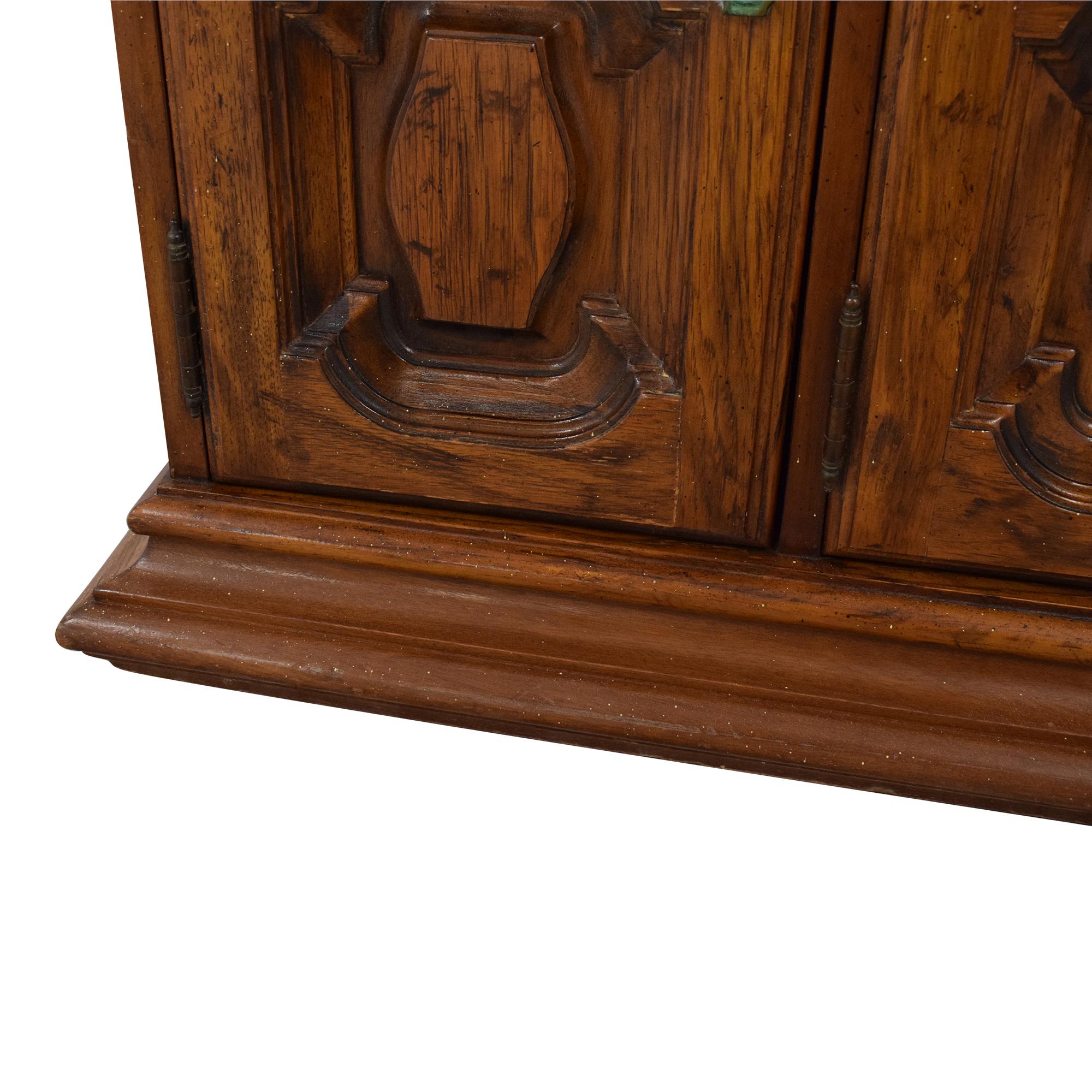 Heritage Heritage Extending Bar Cabinet for sale