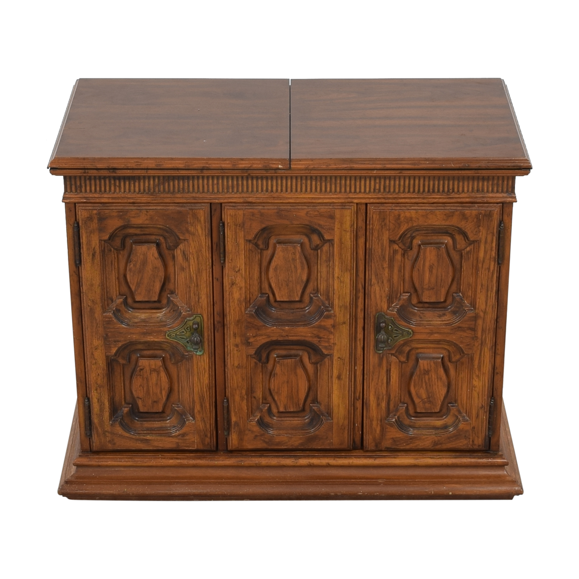 Heritage Extending Bar Cabinet sale