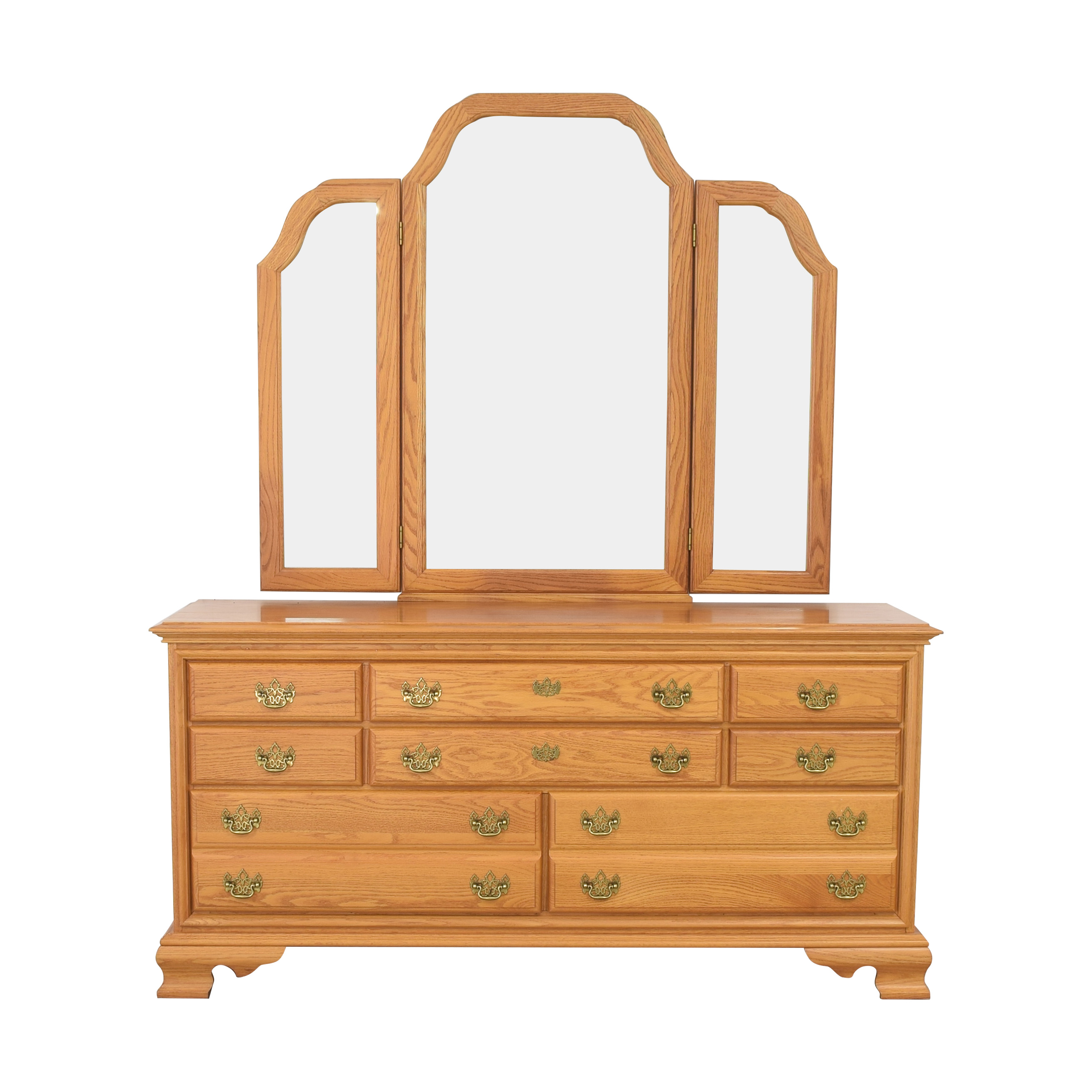 Masterfield Furniture Masterfield Furniture Eight Drawer Dresser with Mirror ct