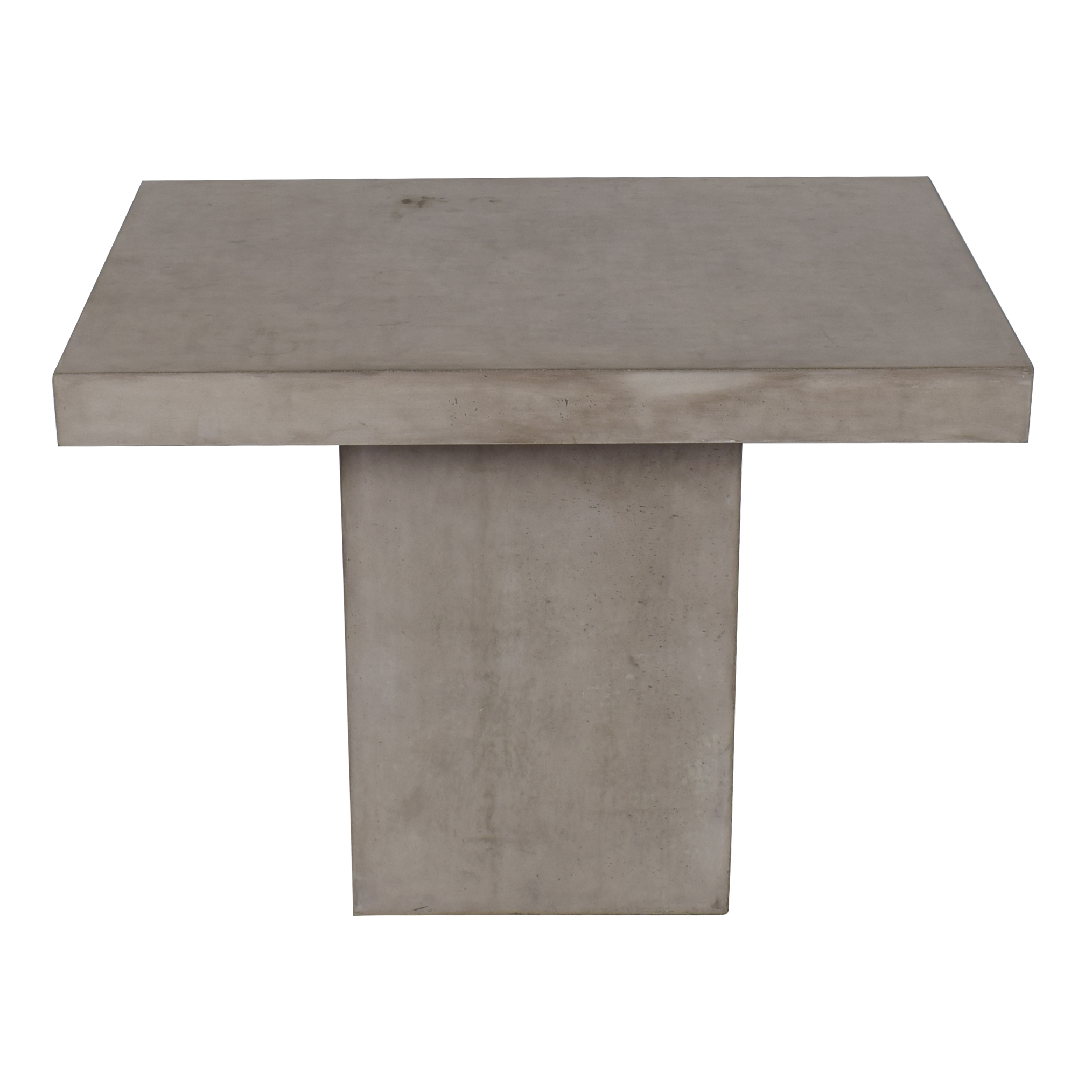 Seasonal Living Concrete Patio Table / Tables
