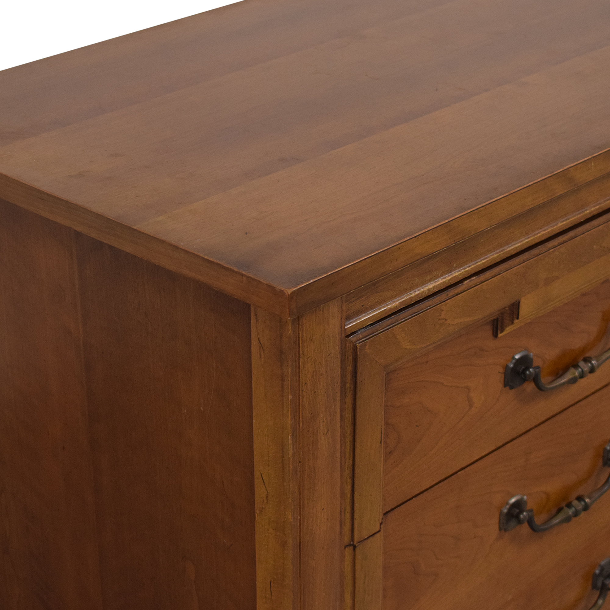 Thomasville Dresser with Cabinets / Storage