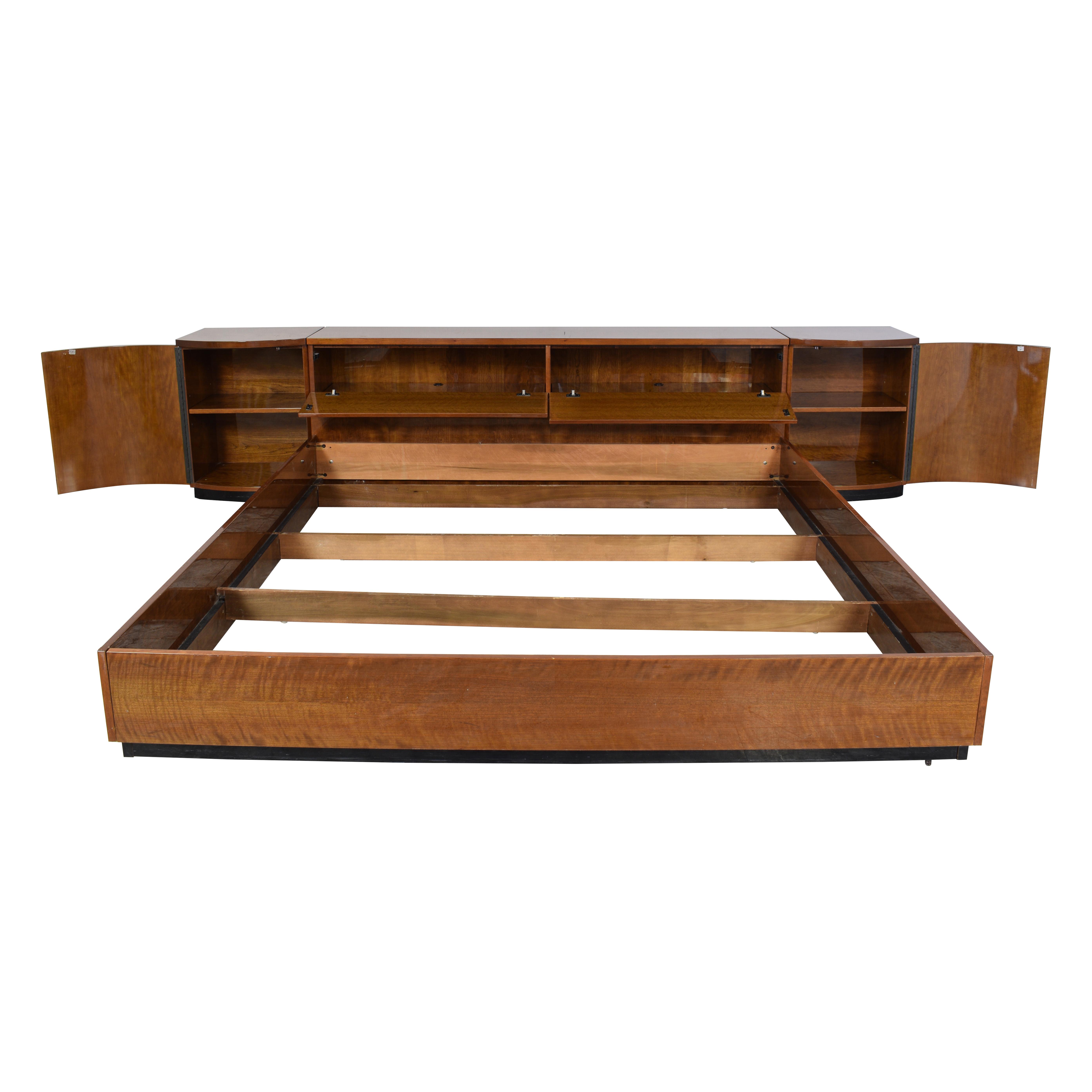 shop Henredon Furniture King Storage Bed with Nightstands Henredon Furniture