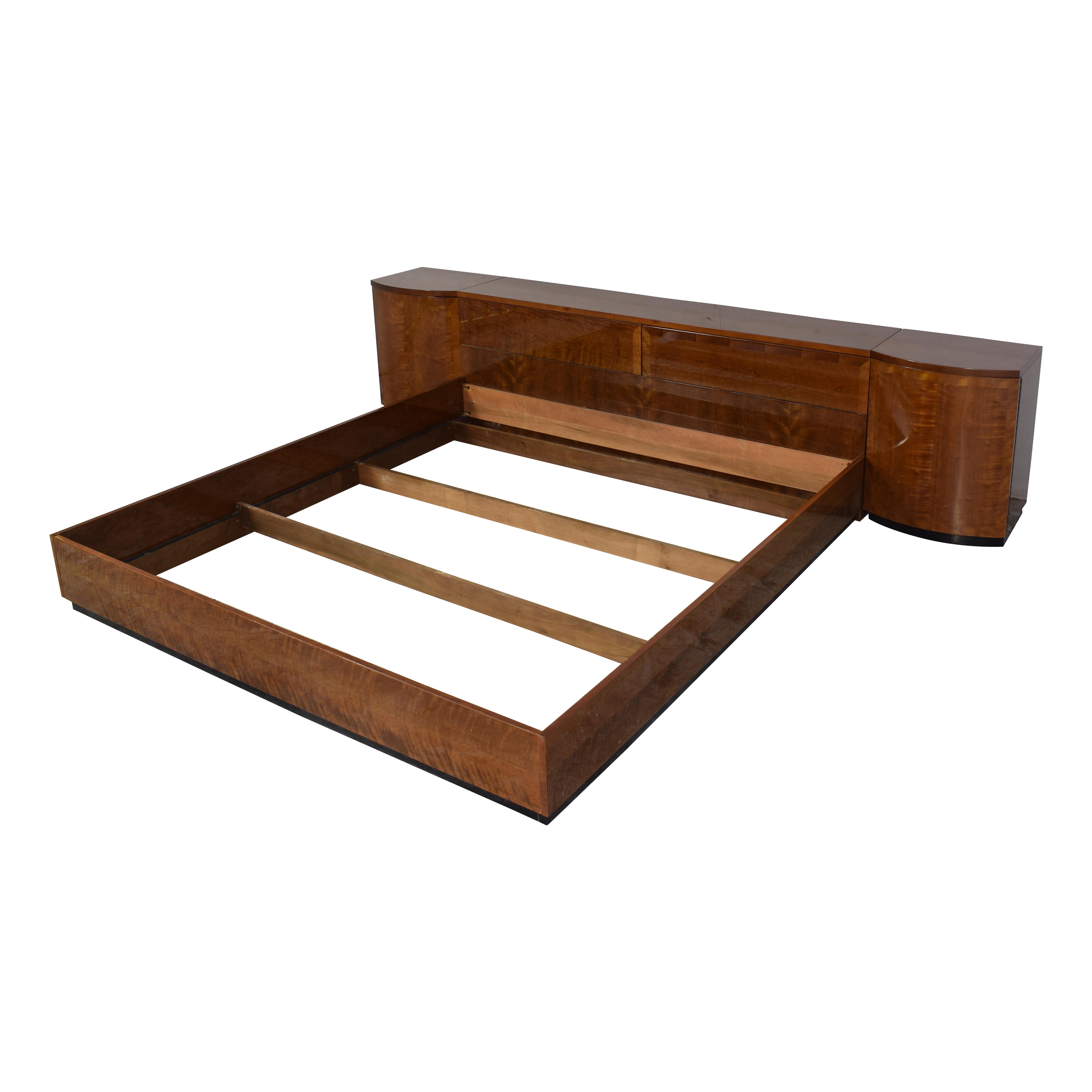 Henredon Furniture Henredon Furniture King Storage Bed with Nightstands brown
