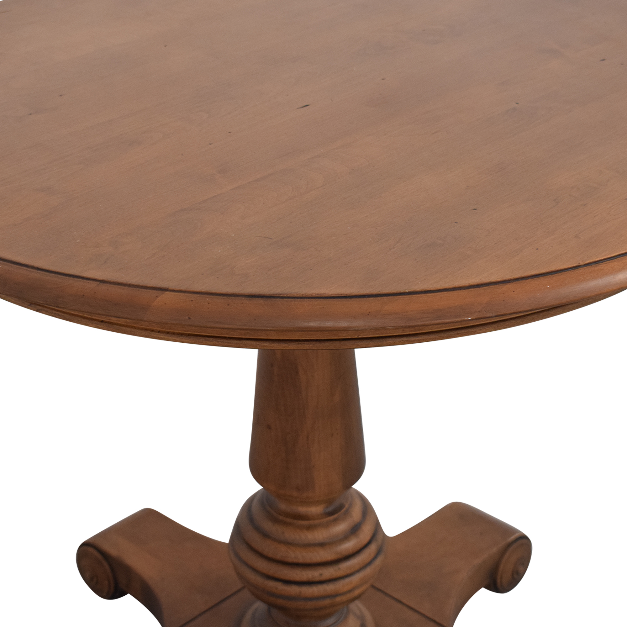 Ethan Allen Ethan Allen New Country Round Side Table pa