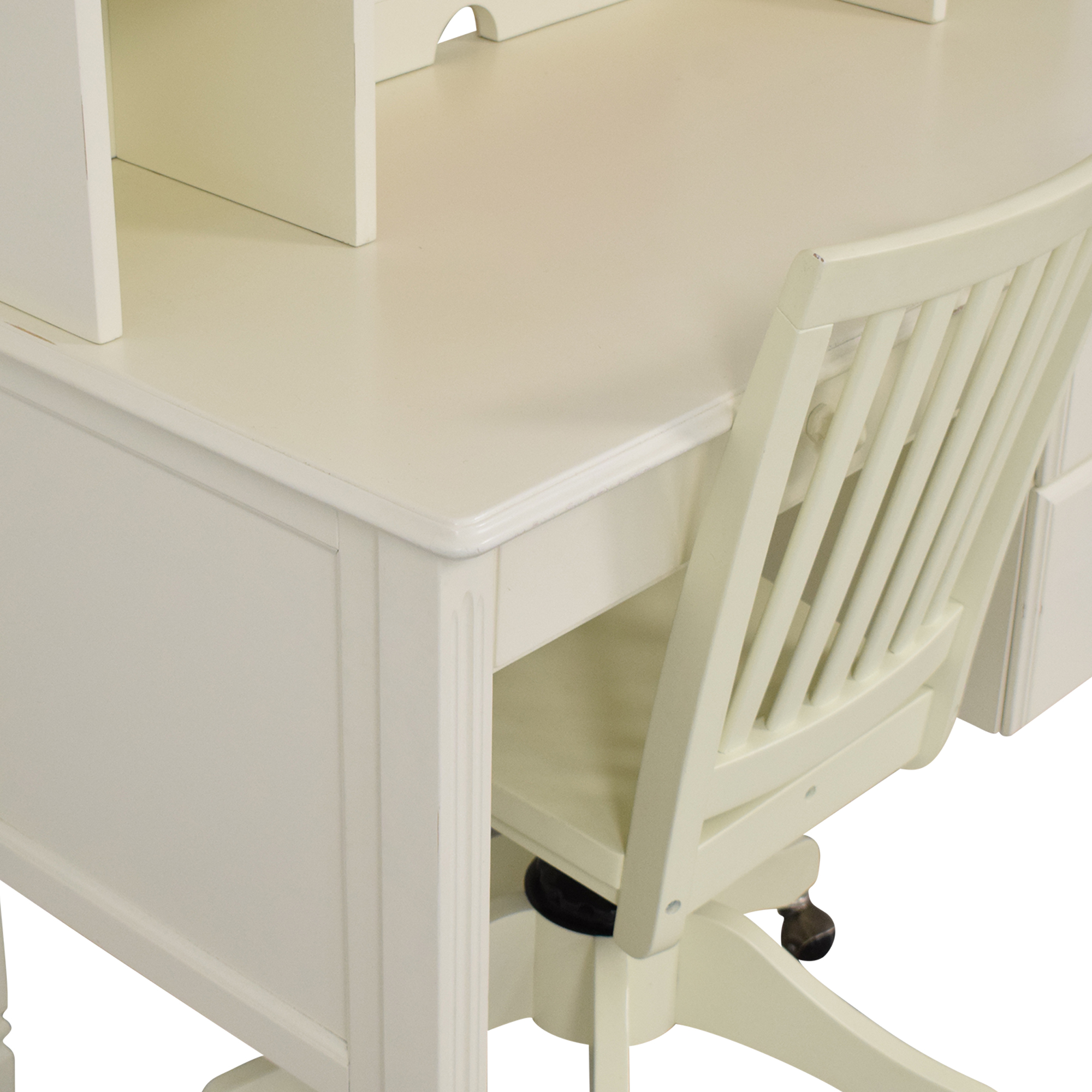 Pottery Barn Kids Pottery Barn Kids Madeline Desk and Hutch with Chair ct