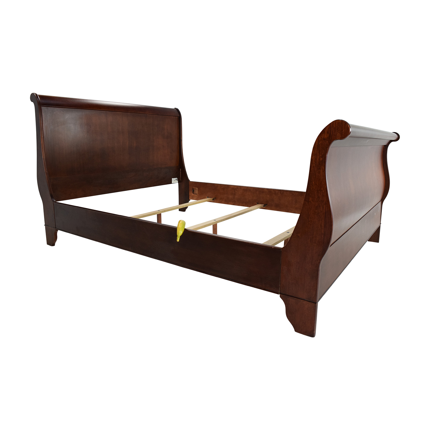 81 Off Macy 39 S Macy 39 S Queen Sleigh Bed Beds
