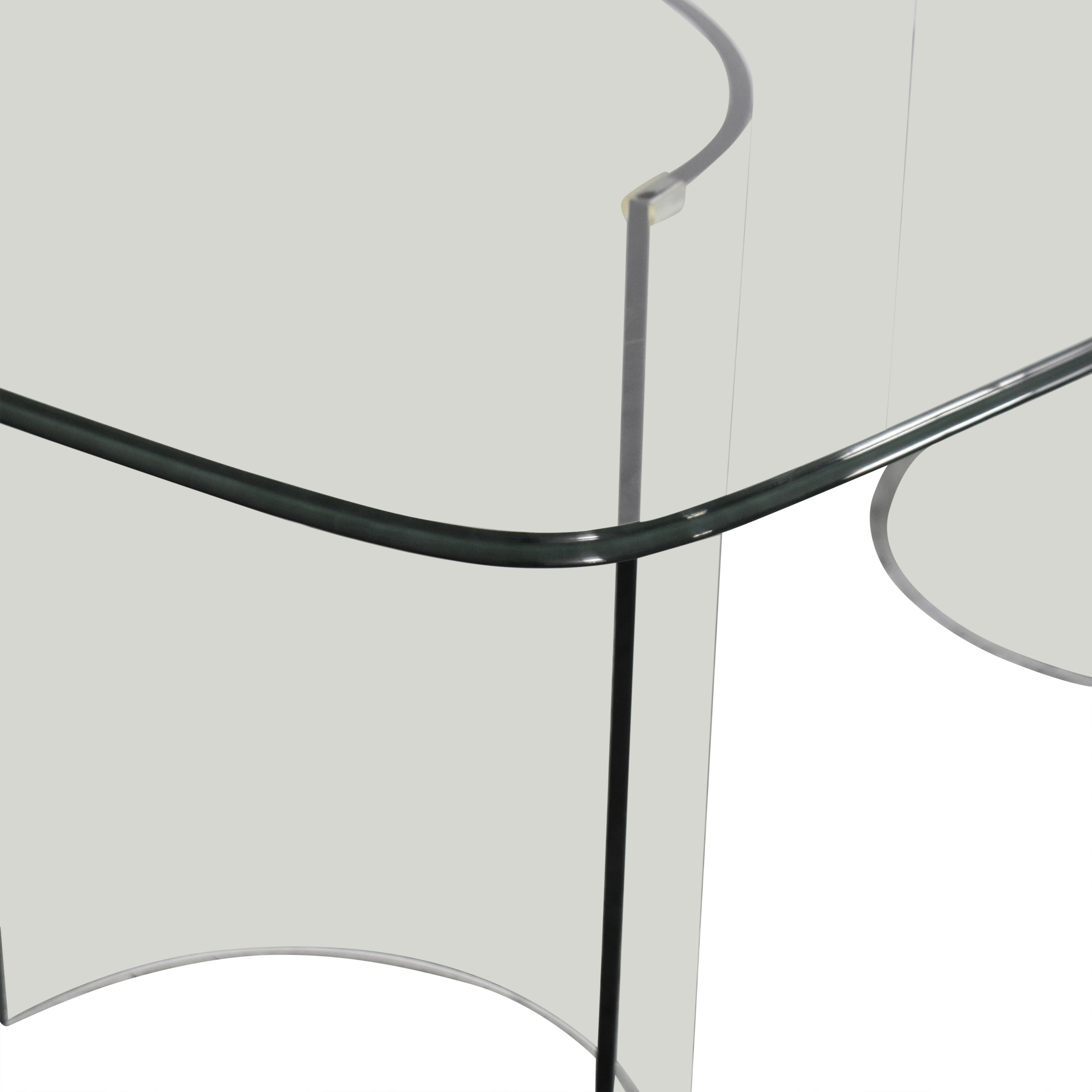 Raymour & Flanigan Raymour & Flanigan Beveled Tempered Glass Dining Table nj