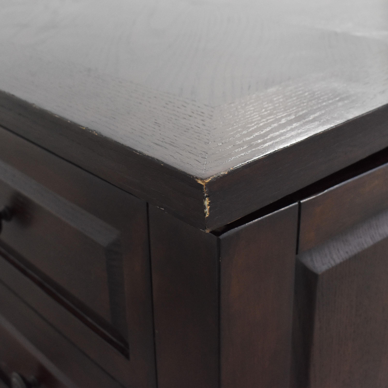 Raymour & Flanigan Lift-Top Storage Coffee Table Raymour & Flanigan