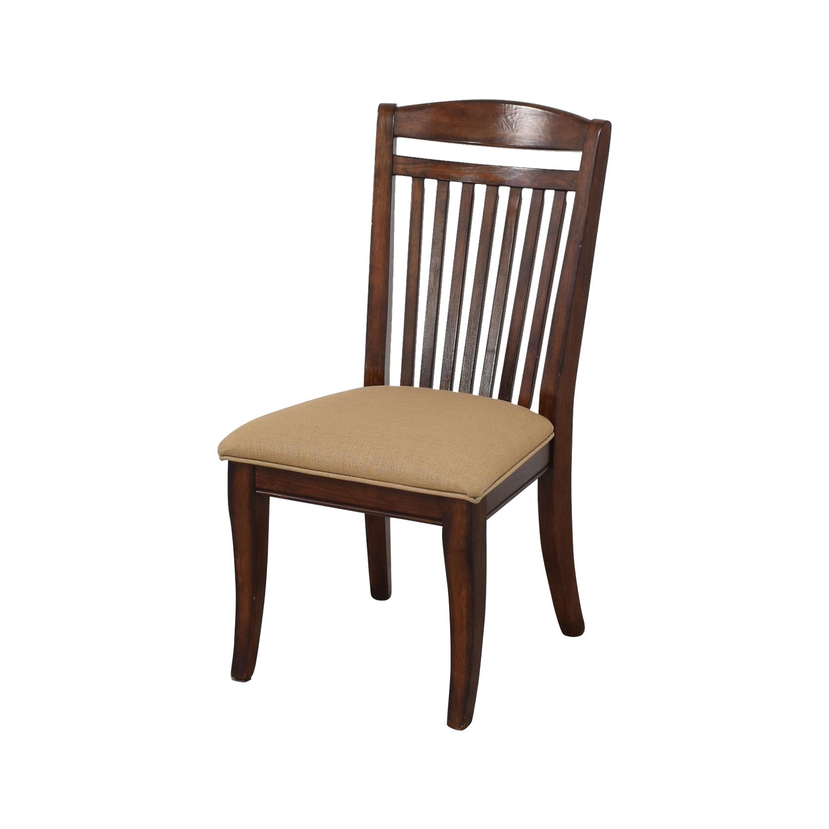 Raymour & Flanigan Raymour & Flanigan Dining Chairs ma