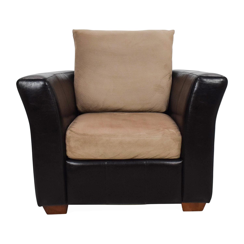 81 Off Jennifer Furniture Jennifer Convertibles Leather Chair