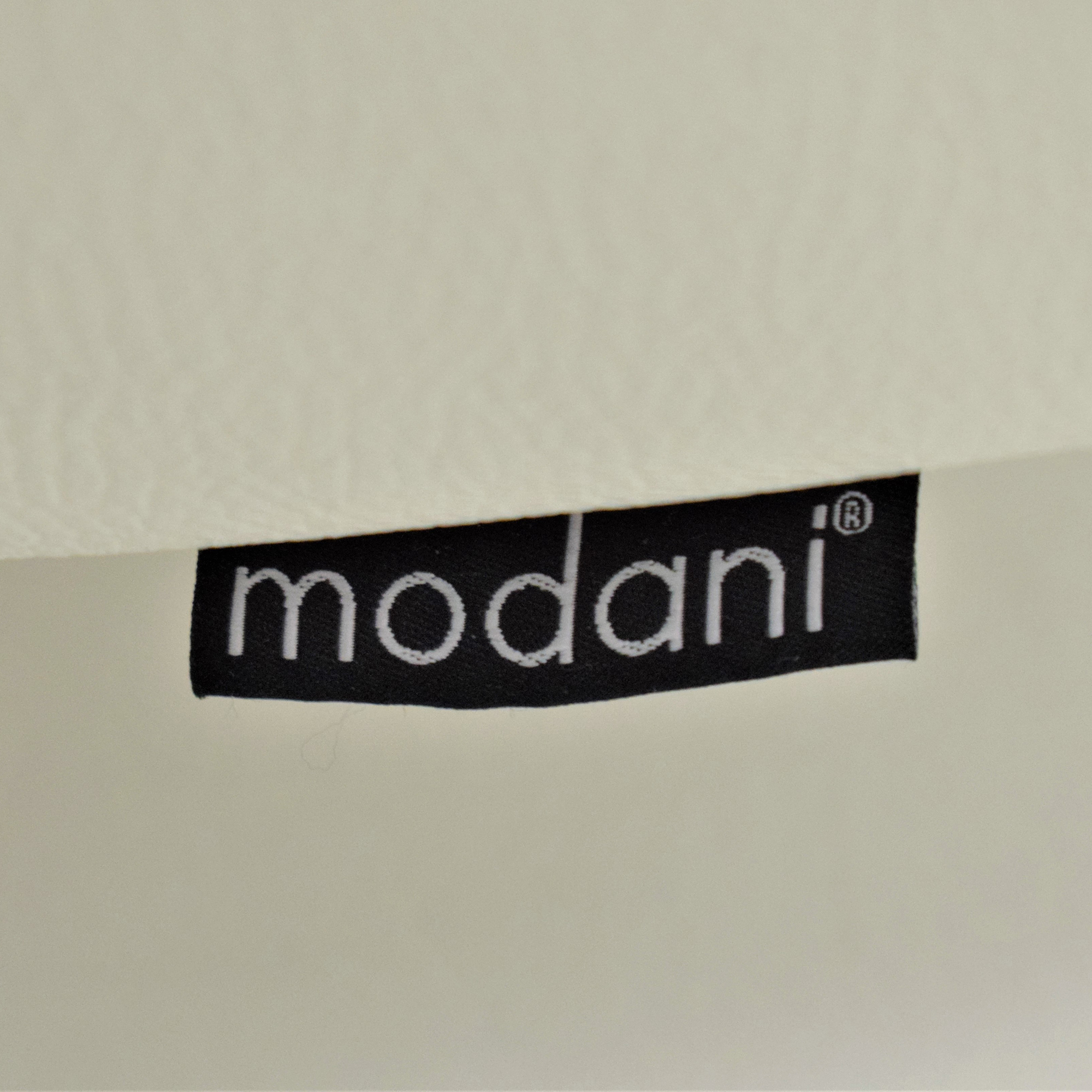 shop Modani Modani Bergamo Motion Sofa White online