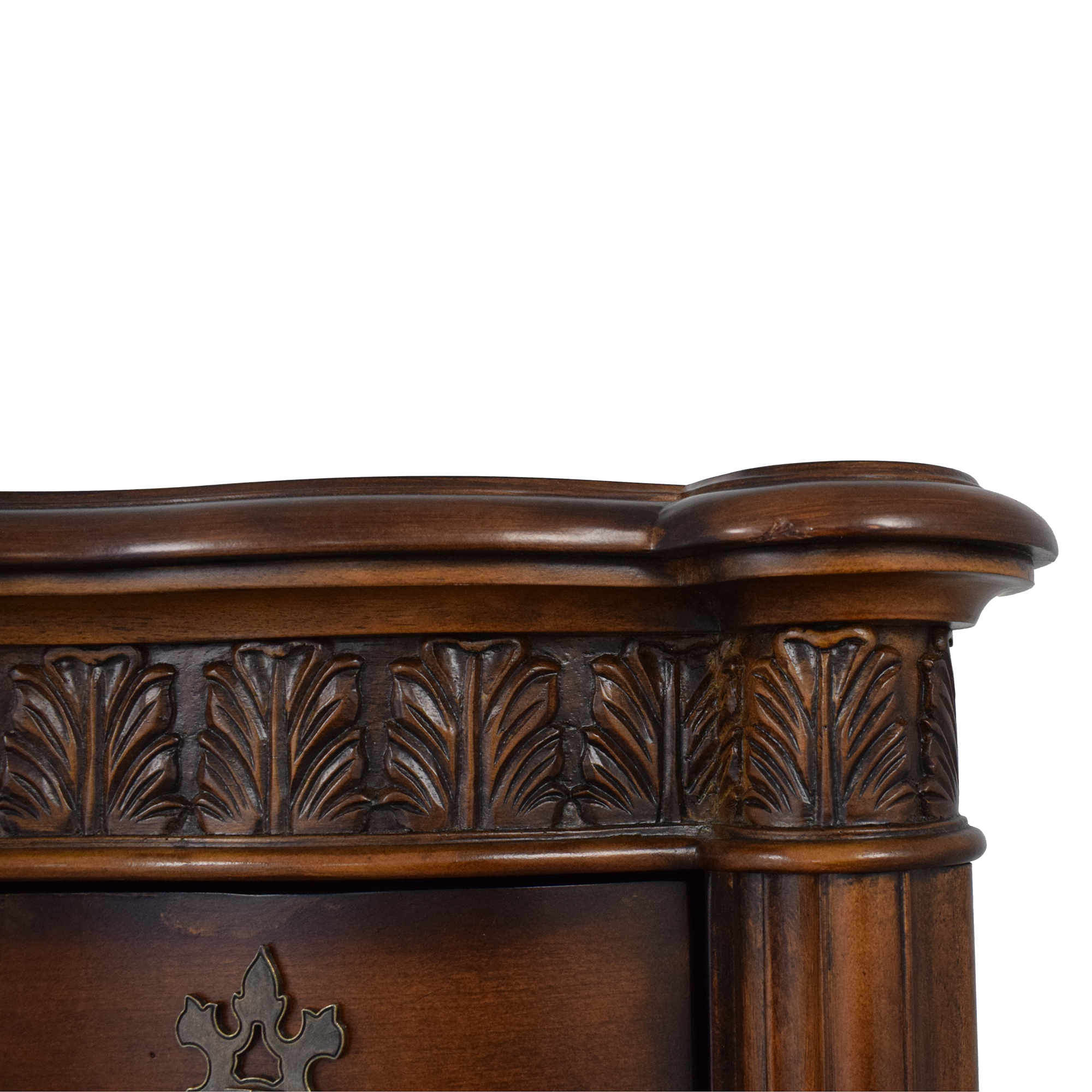 Pulaski Furniture Pulaski Six Drawer Grand Ornate Dresser price