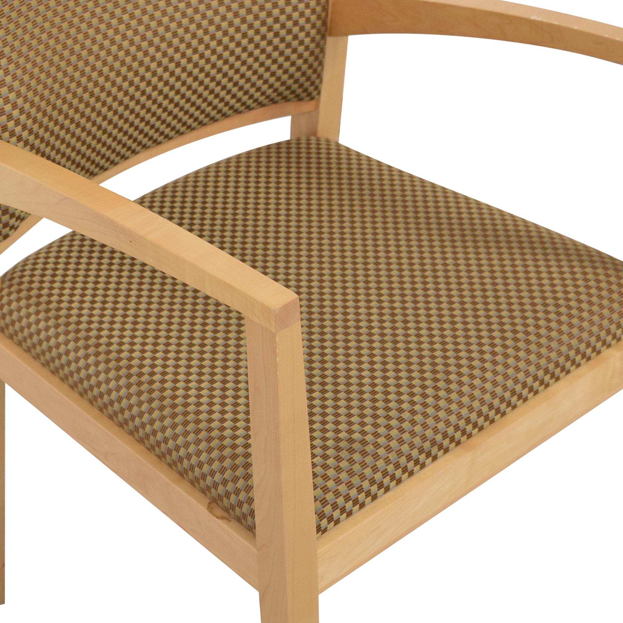 Krug Cadence Guest Chair / Chairs