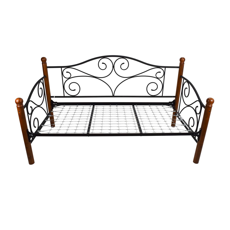 Doral Daybed Frame / Beds
