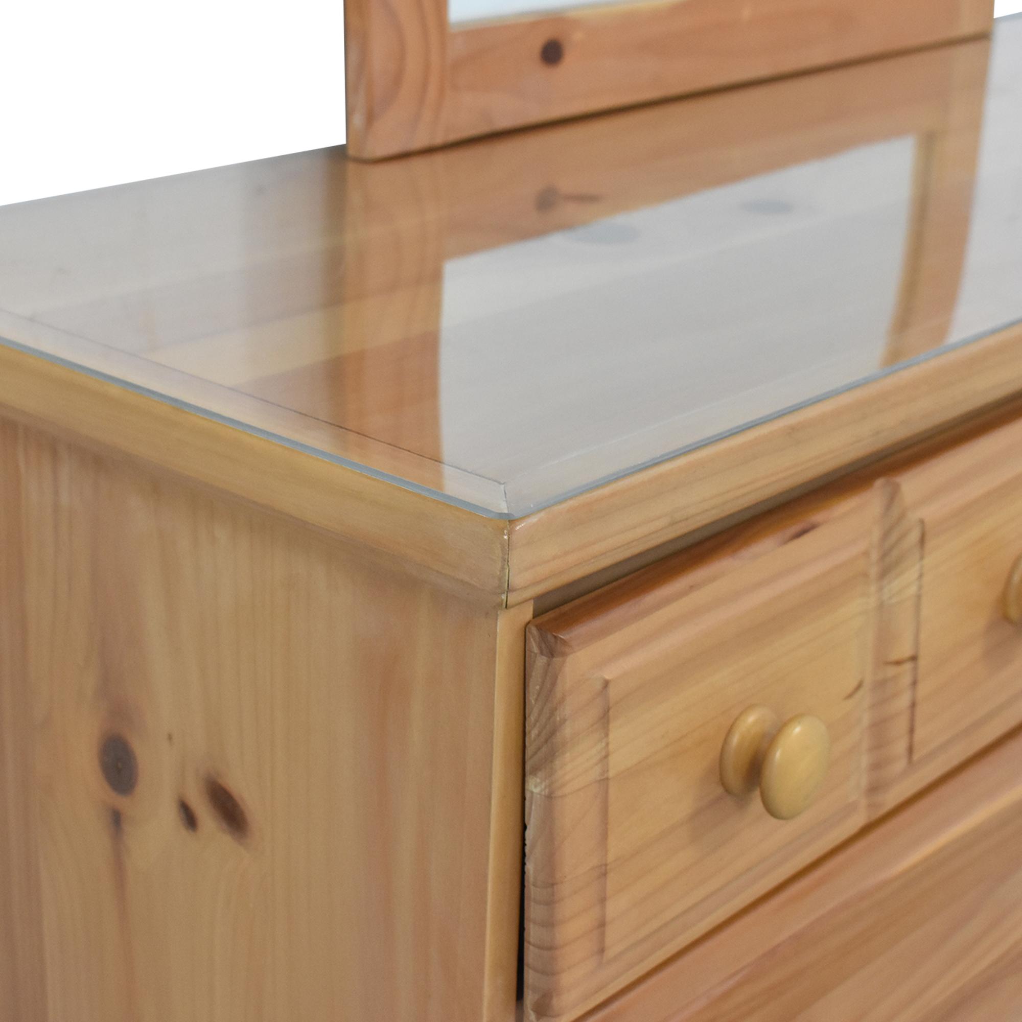 Vaughan-Bassett Vaughan-Bassett Six Drawer Dresser and Mirror Storage