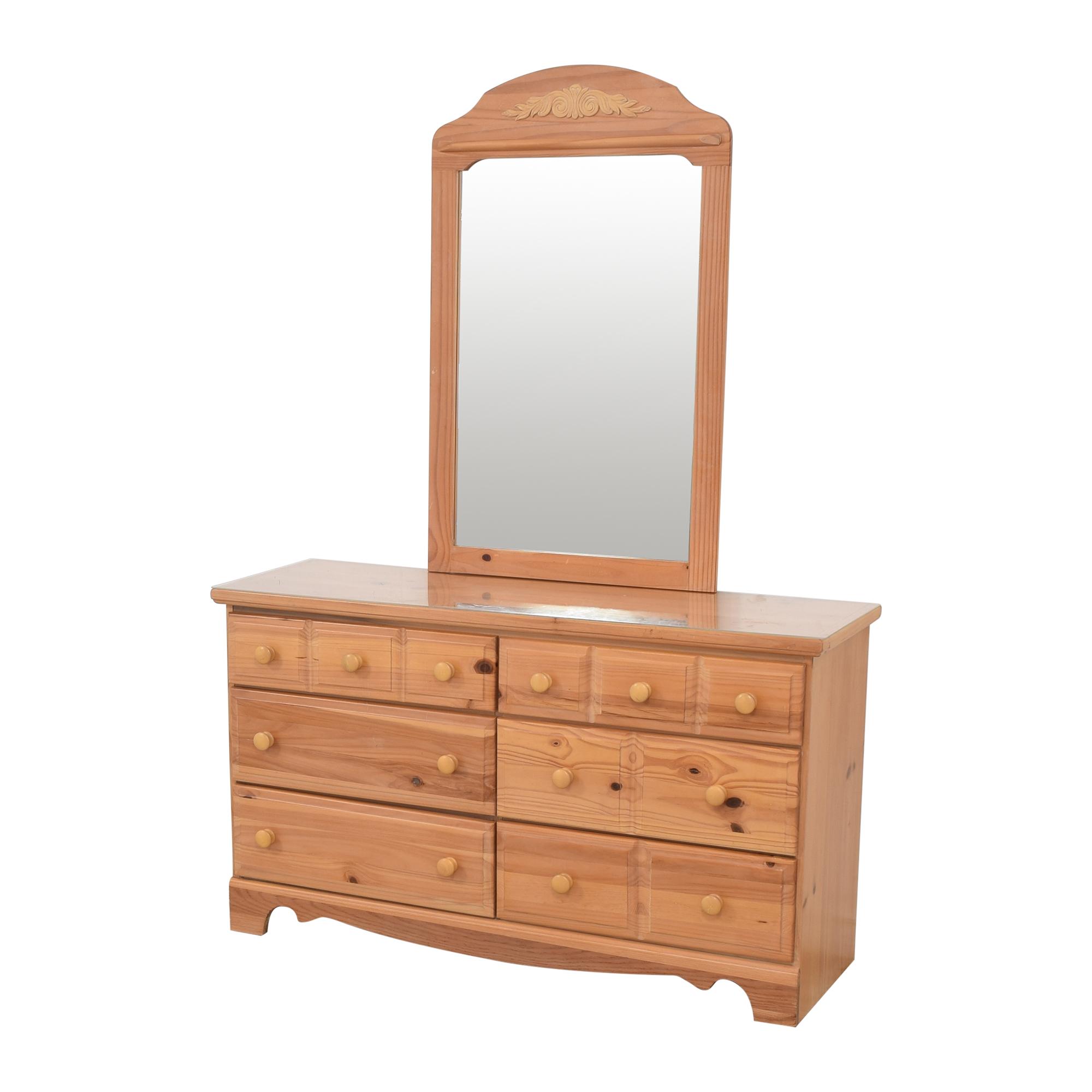 Vaughan-Bassett Vaughan-Bassett Six Drawer Dresser and Mirror dimensions