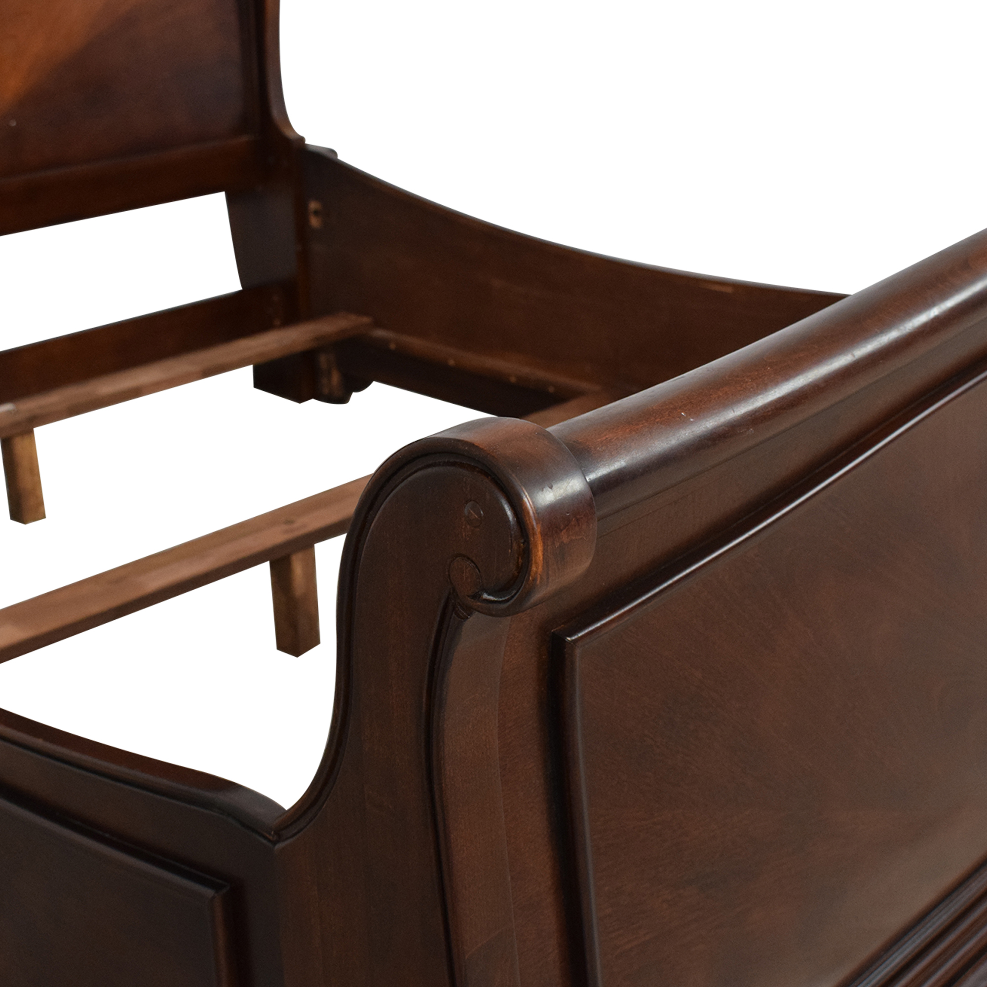 Raymour & Flanigan Raymour & Flanigan Queen Sleigh Bed price